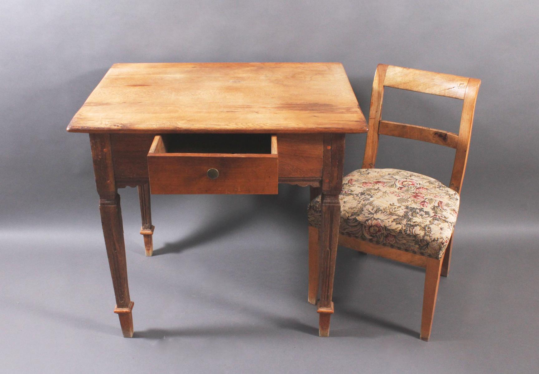 Barock Tisch und Stuhl-2