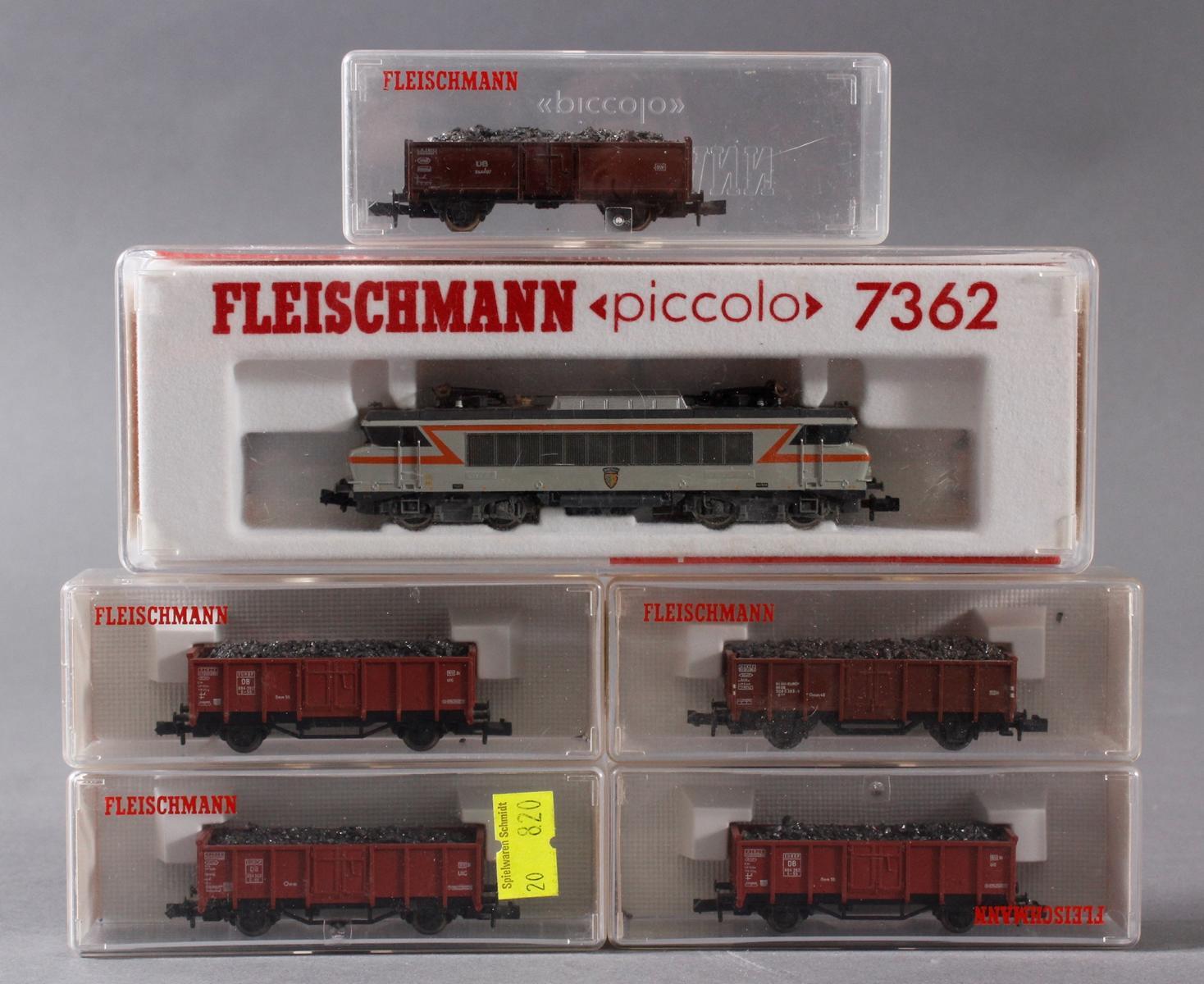Fleischmann E-Lok 7362 mit 5 Güterwaggons