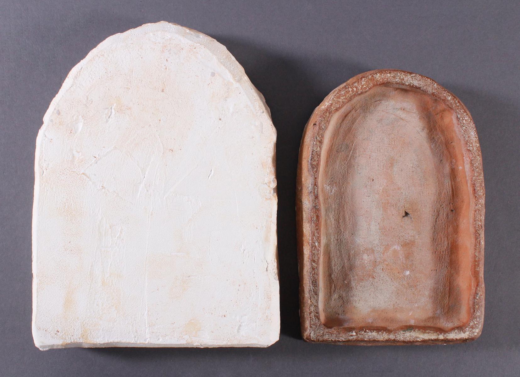 Religiöses, Terracotta und Gipstafel-5