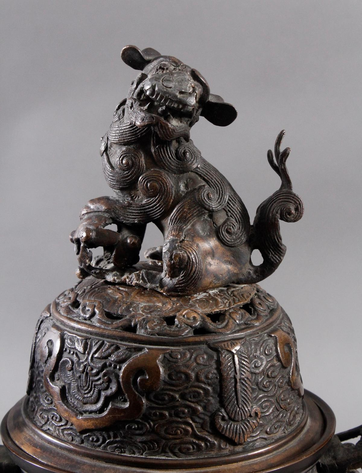 Großer Räucherkoro aus Bronze, China um 1900-2