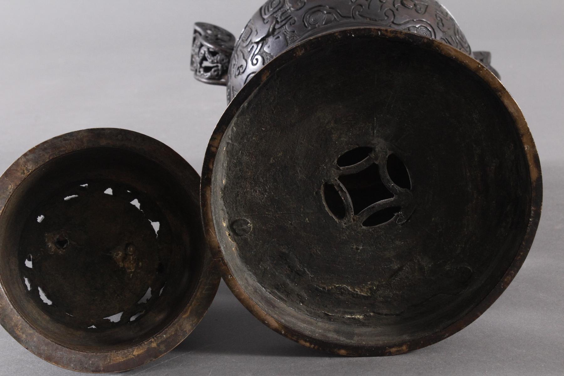 Großer Räucherkoro aus Bronze, China um 1900-10