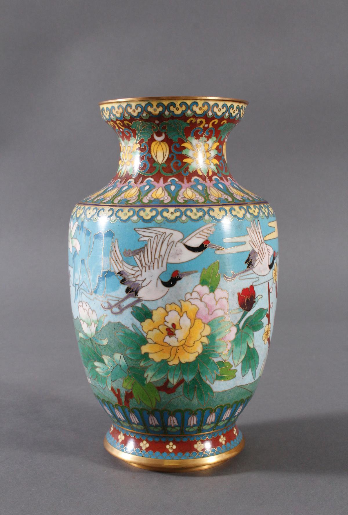 Cloisonne Vase, China, 1. Hälfte 20. Jahrhundert