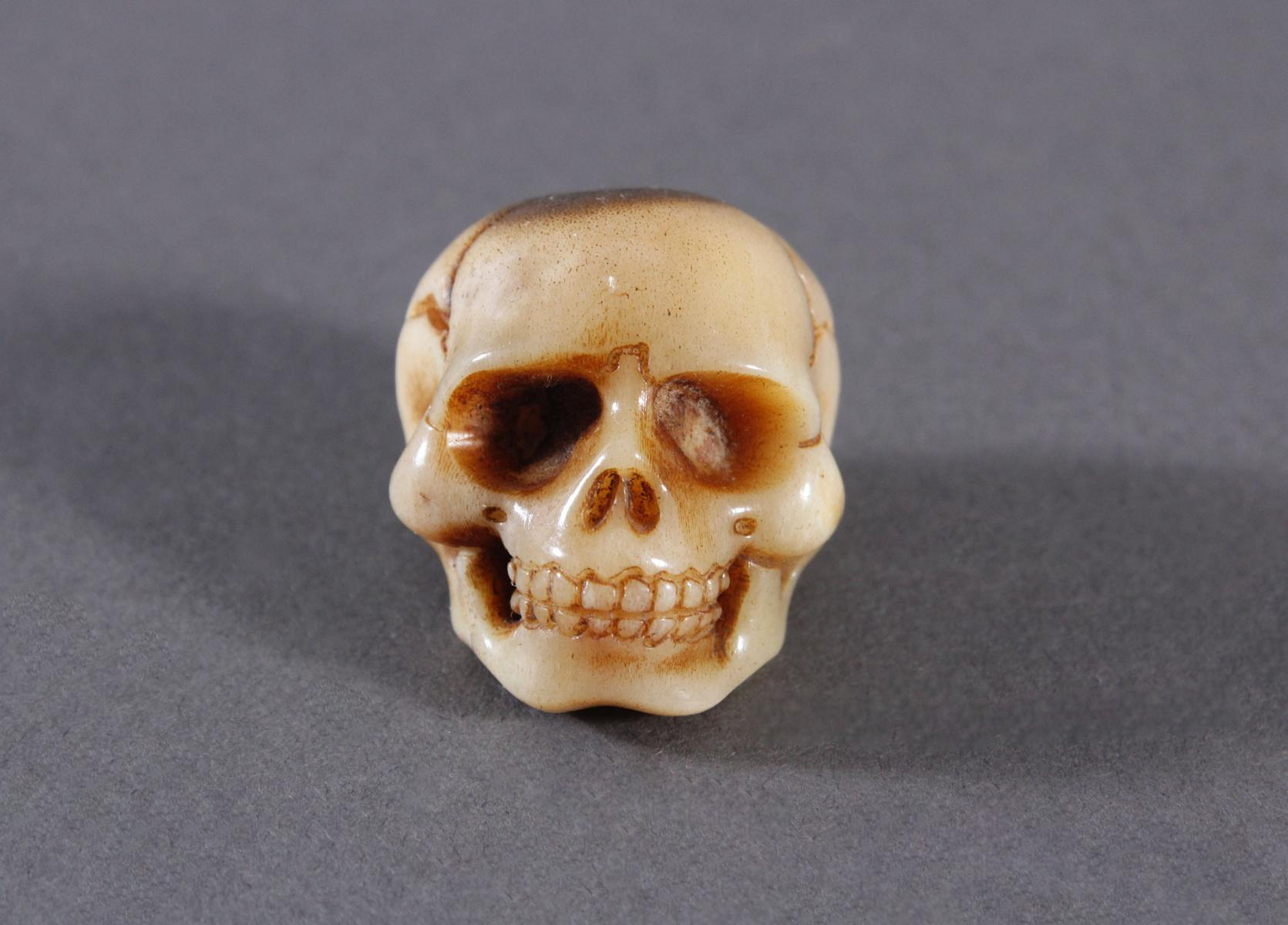 Memento Mori, Miniatur Totenschädel