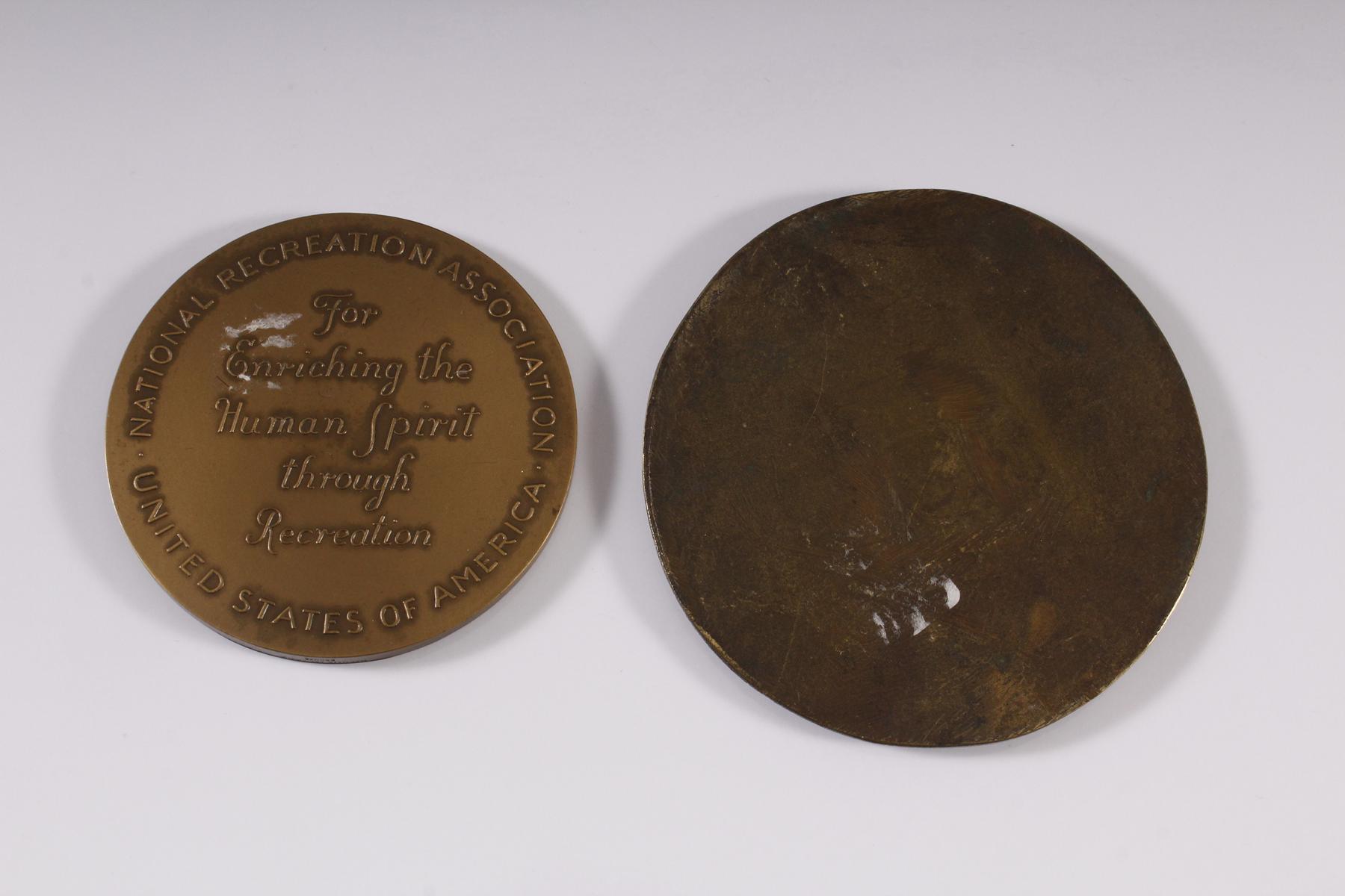 Zwei Bronzeplaketten-2