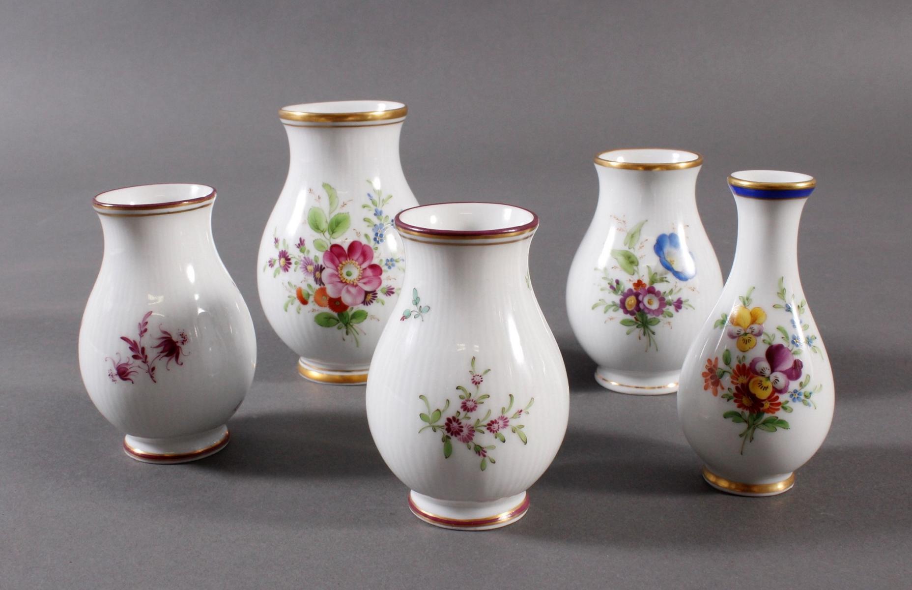 Konvolut Höchster Vasen, signiert Kurt Schröder