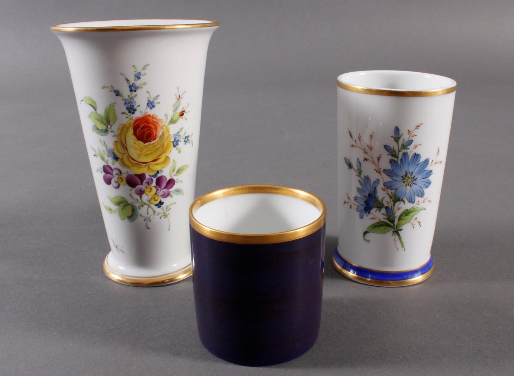 3 Vasen Höchst, 2 signiert Kurt Schröder