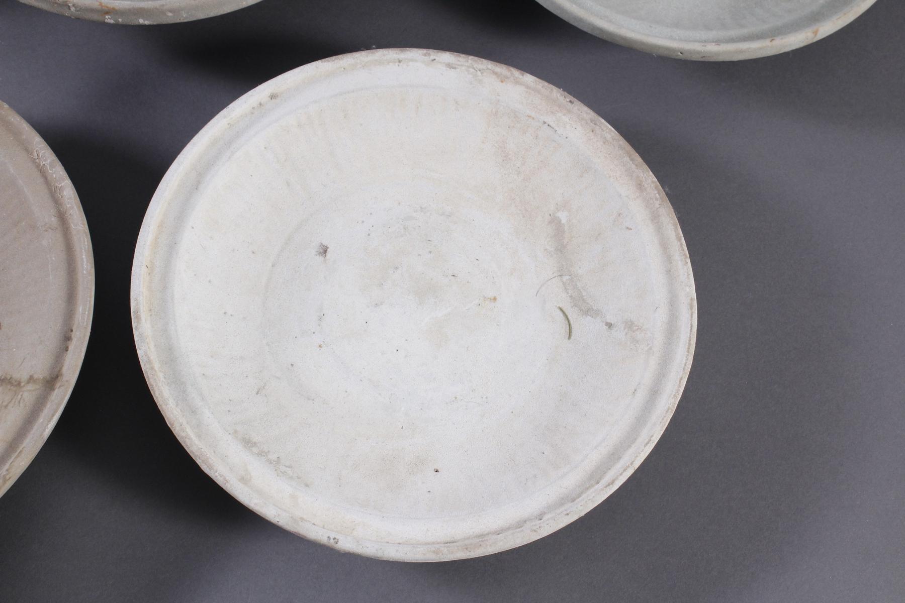 5 Teller, Ankor-Periode 12./13. Jahrhundert, Kambodscha-5