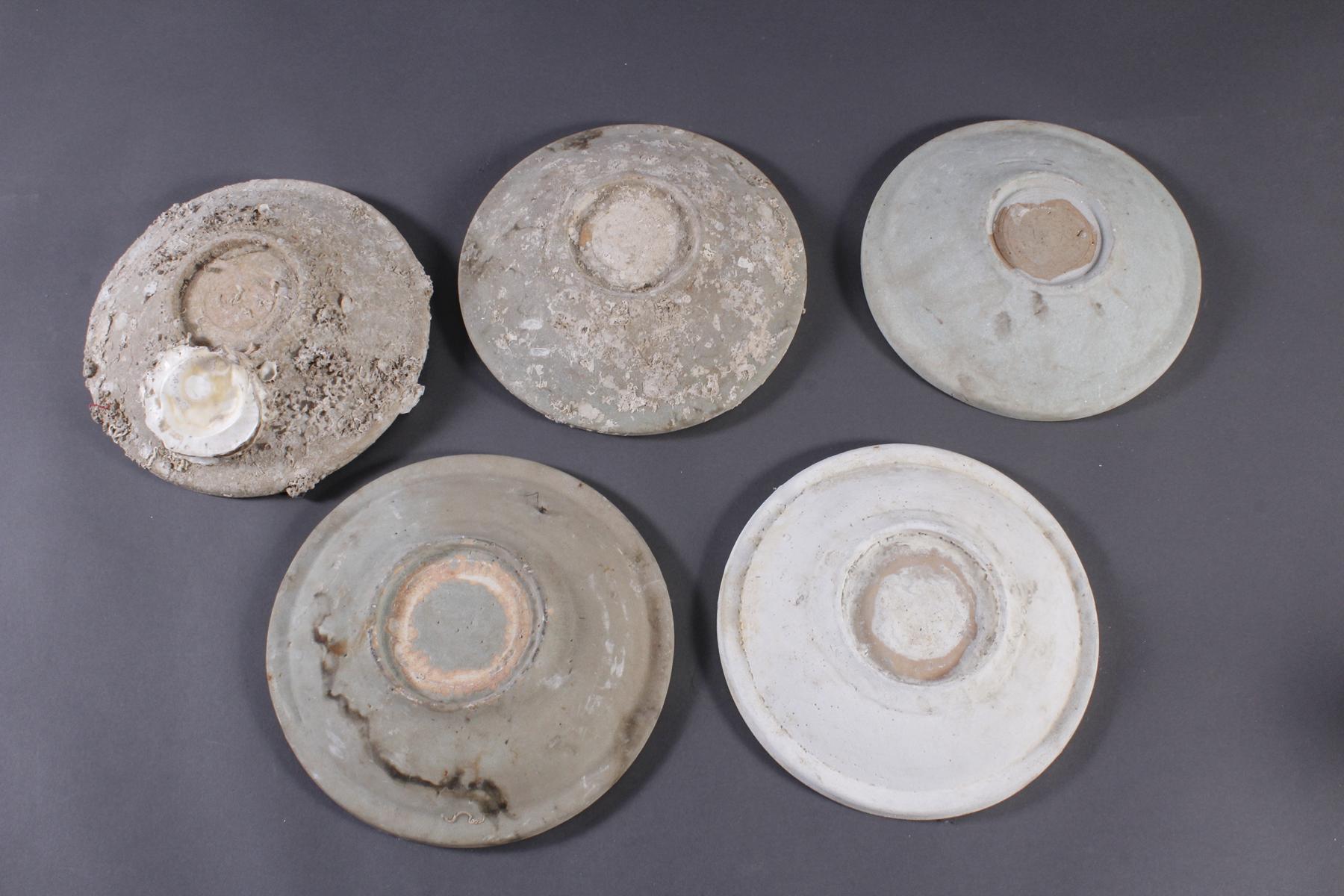5 Teller, Ankor-Periode 12./13. Jahrhundert, Kambodscha-7