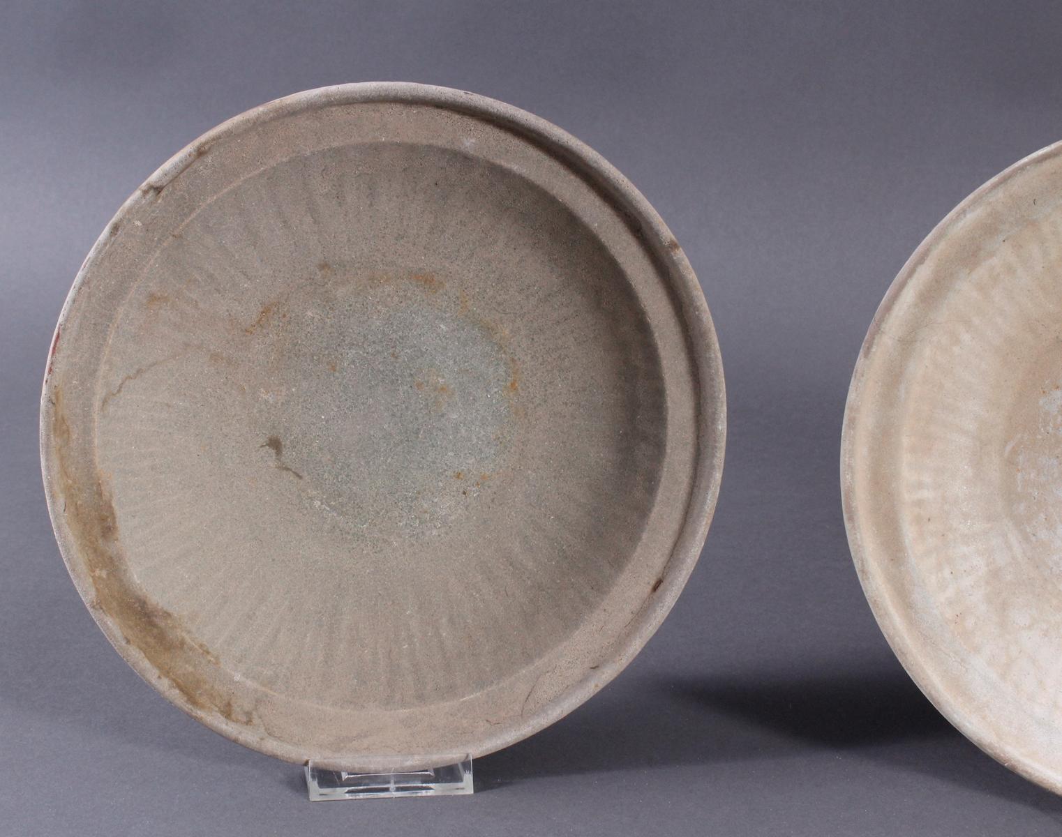 4 Teller, Ankor-Periode 12./13. Jahrhundert, Kambodscha-2