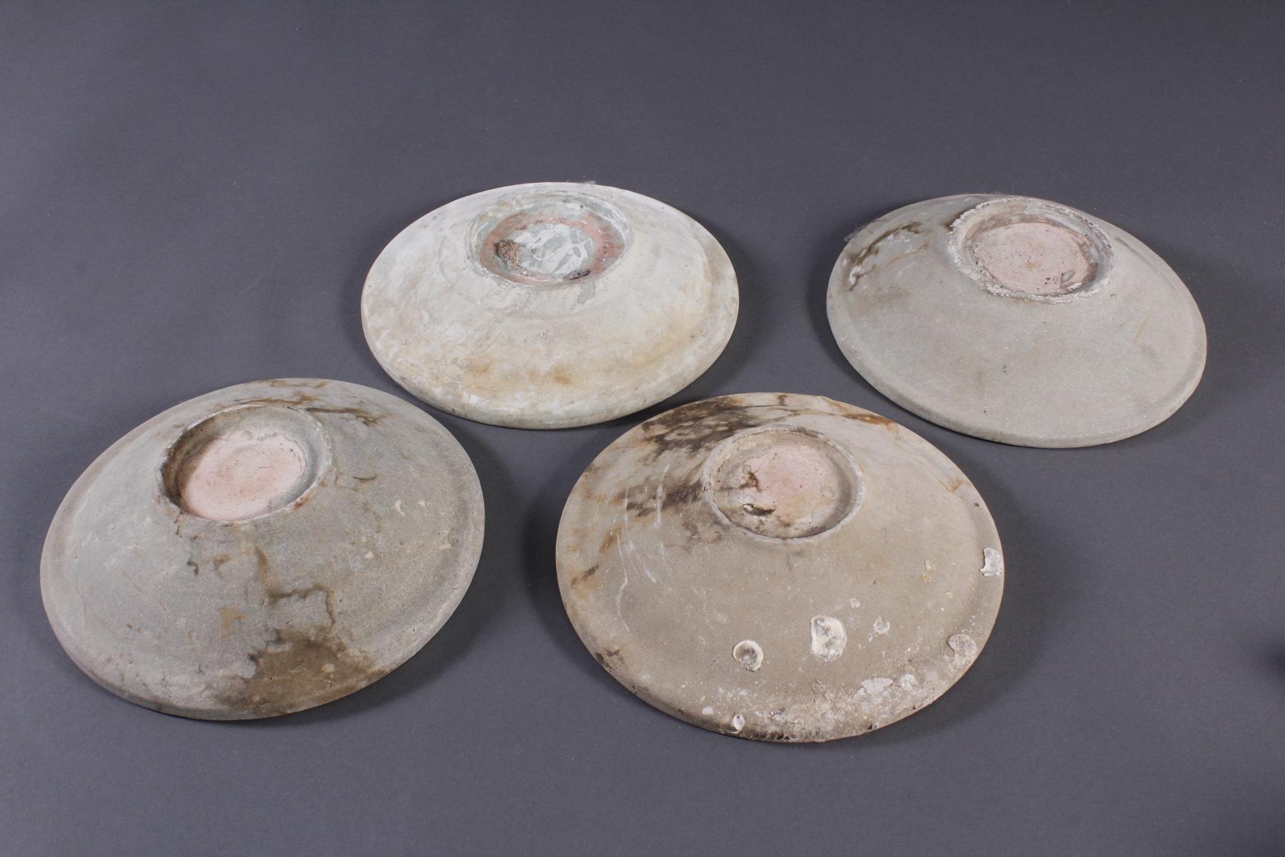 4 Teller, Ankor-Periode 12./13. Jahrhundert, Kambodscha-6