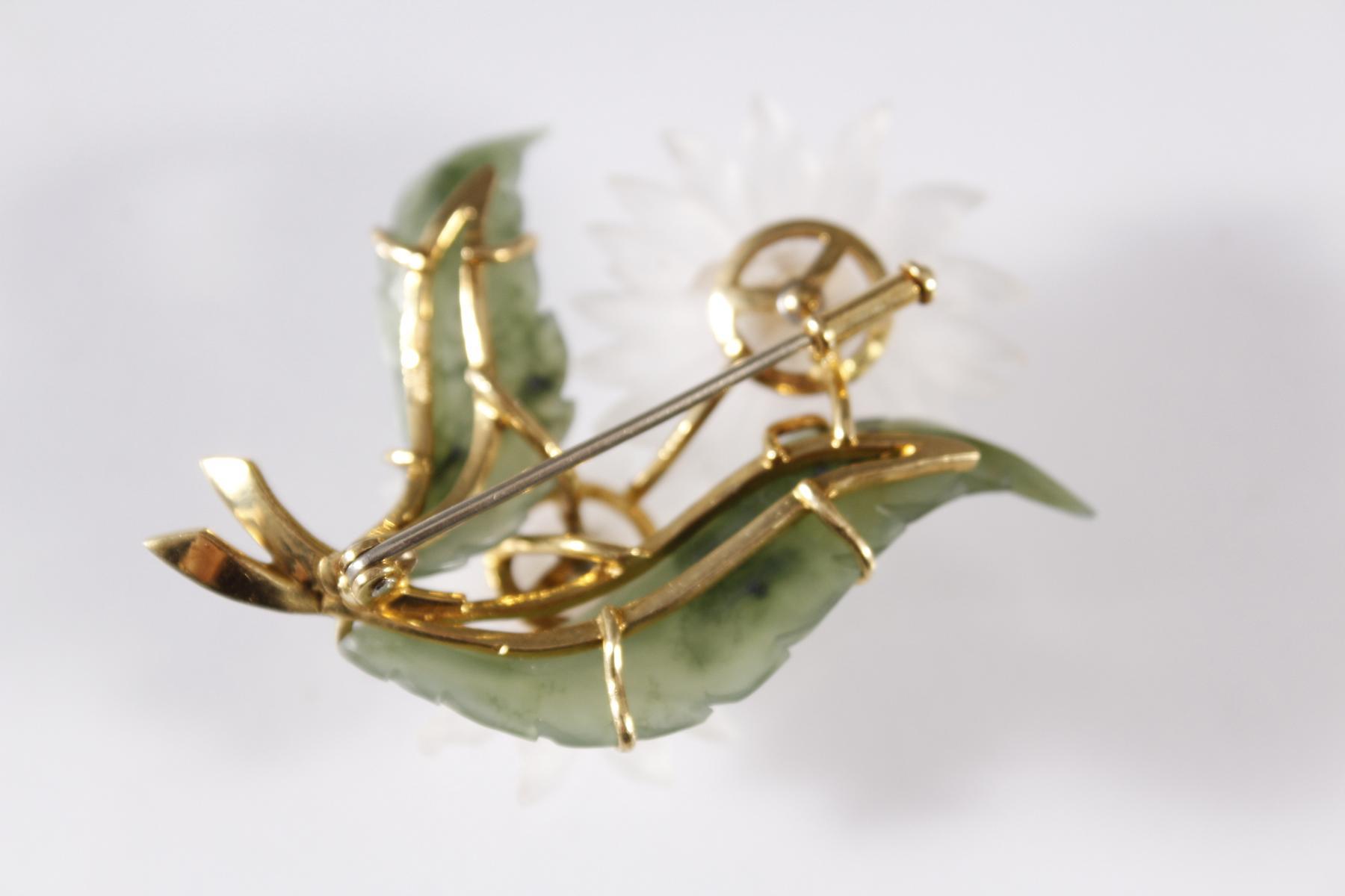 Brosche in Blütenform aus Jade, Kristall und Citrinen, Fassung aus 18 kt Gelbgold-2