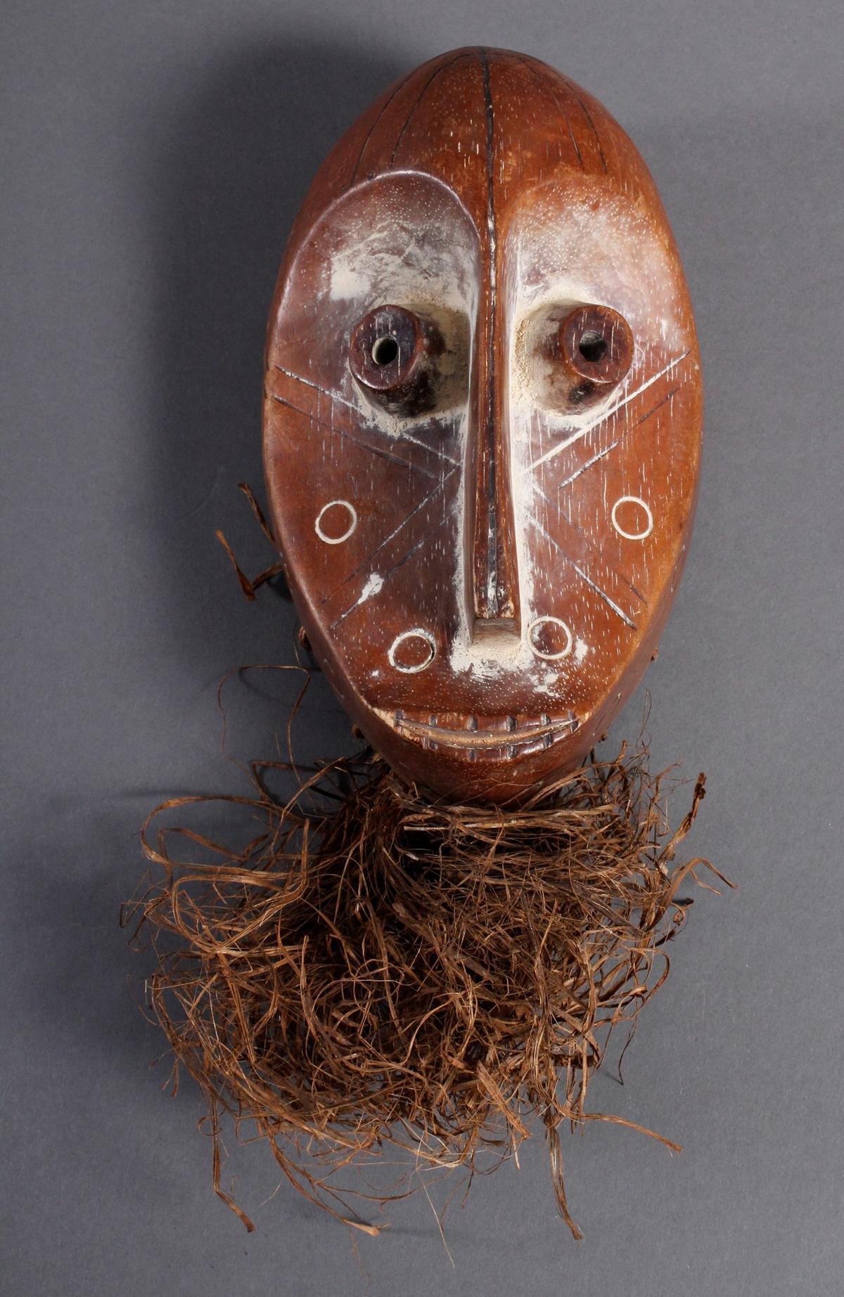 Holzmaske Lega / Kongo