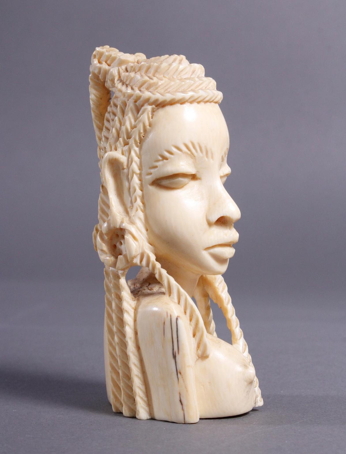 Elfenbein Frauenbüste, Massai / Kenia um 1930-2