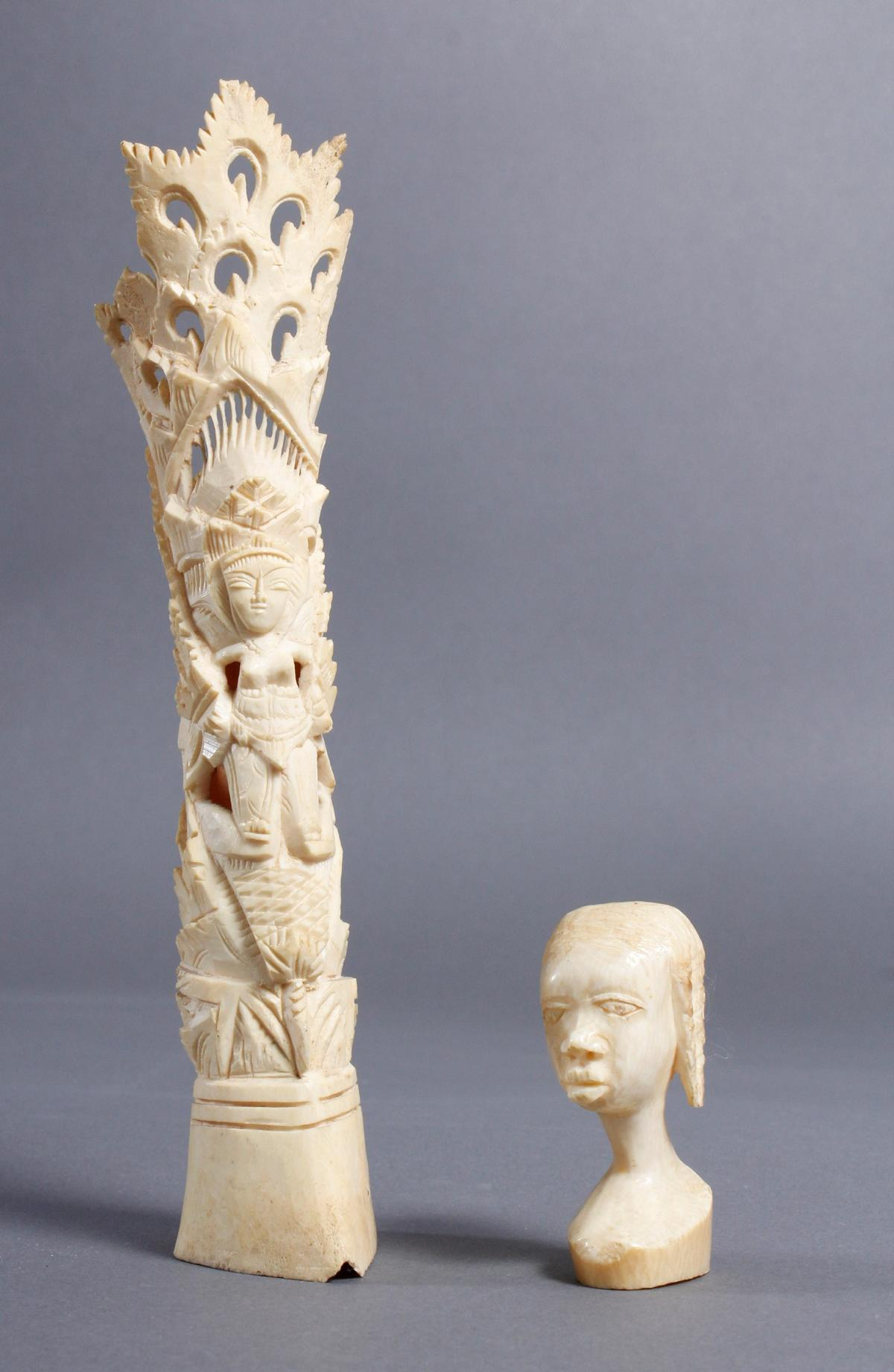 Elfenbein Kopf und Beinschnitzerei, Afrika / Asien um 1930