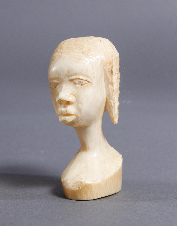 Elfenbein Kopf und Beinschnitzerei, Afrika / Asien um 1930-2