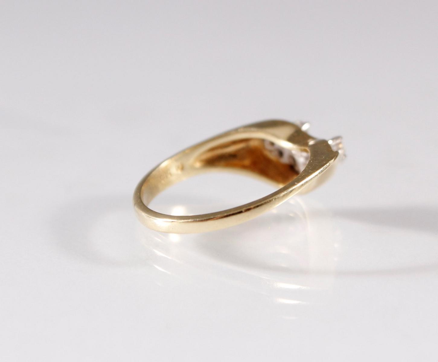 Damenring mit Diamanten , 8 Karat Gelbgold-2
