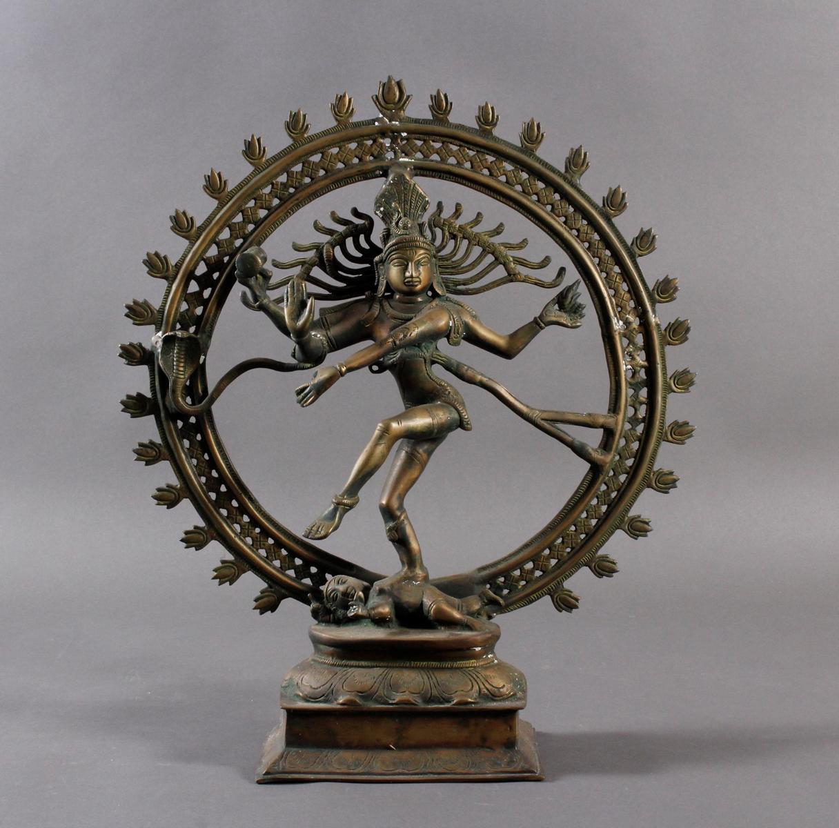 Nataraja Shiva im Flammenrad, Indien, 19. / 20. Jahrhundert