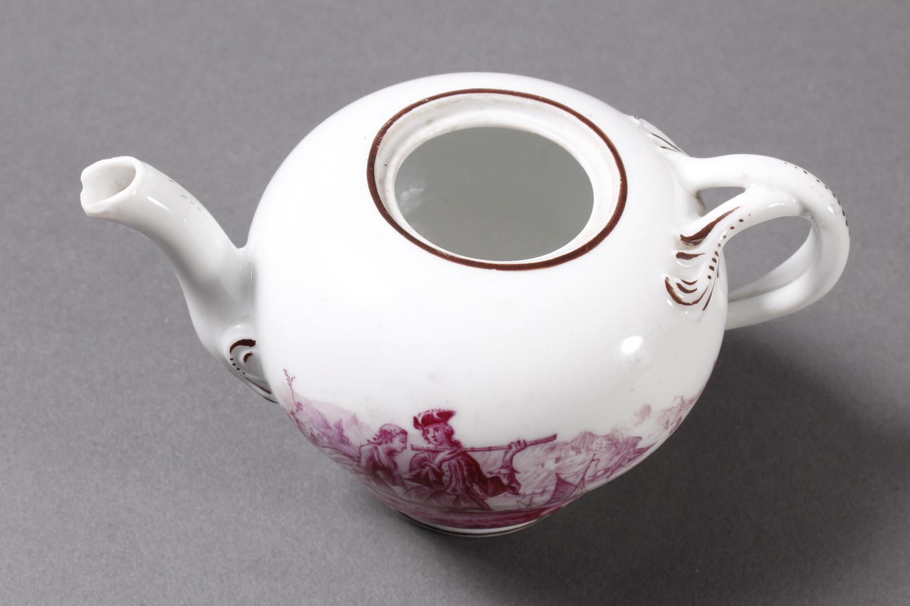 Kleines Meissen Porzellan Teekännchen um 1800-3