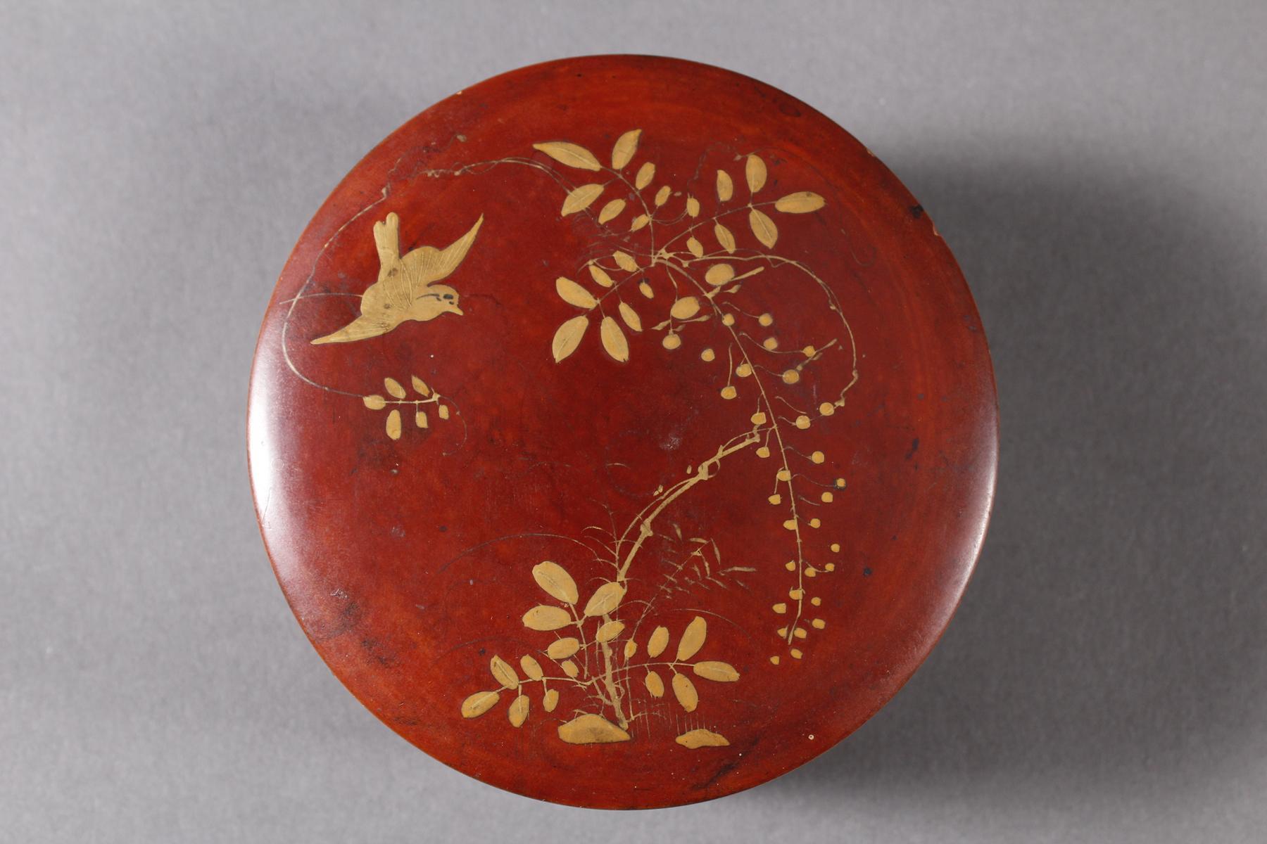 Lack Deckeldose mit 10 Tellereinsätzen, Japan, späte Meiji Periode-2