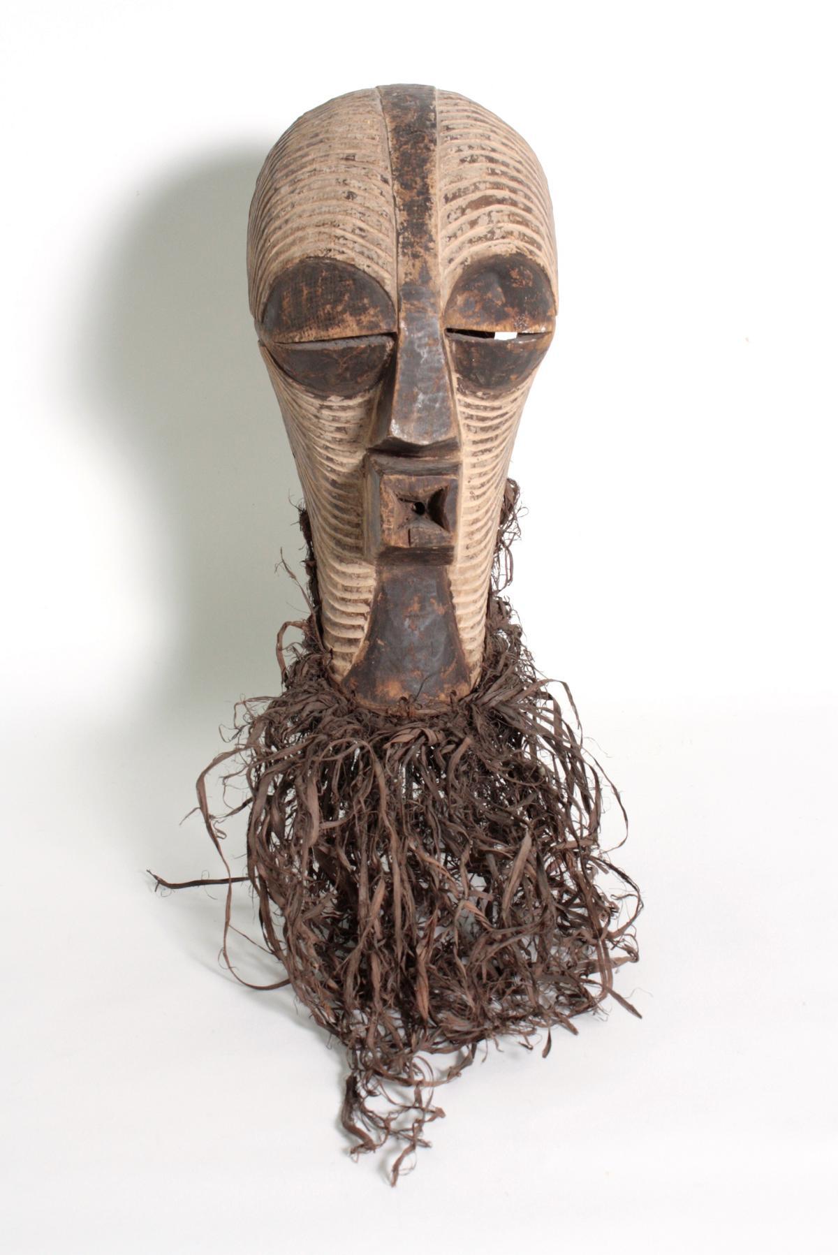 Weibliche Kifwebe-Maske 'kikashi', Kongo/Songe,  1. Hälfte 20. Jh