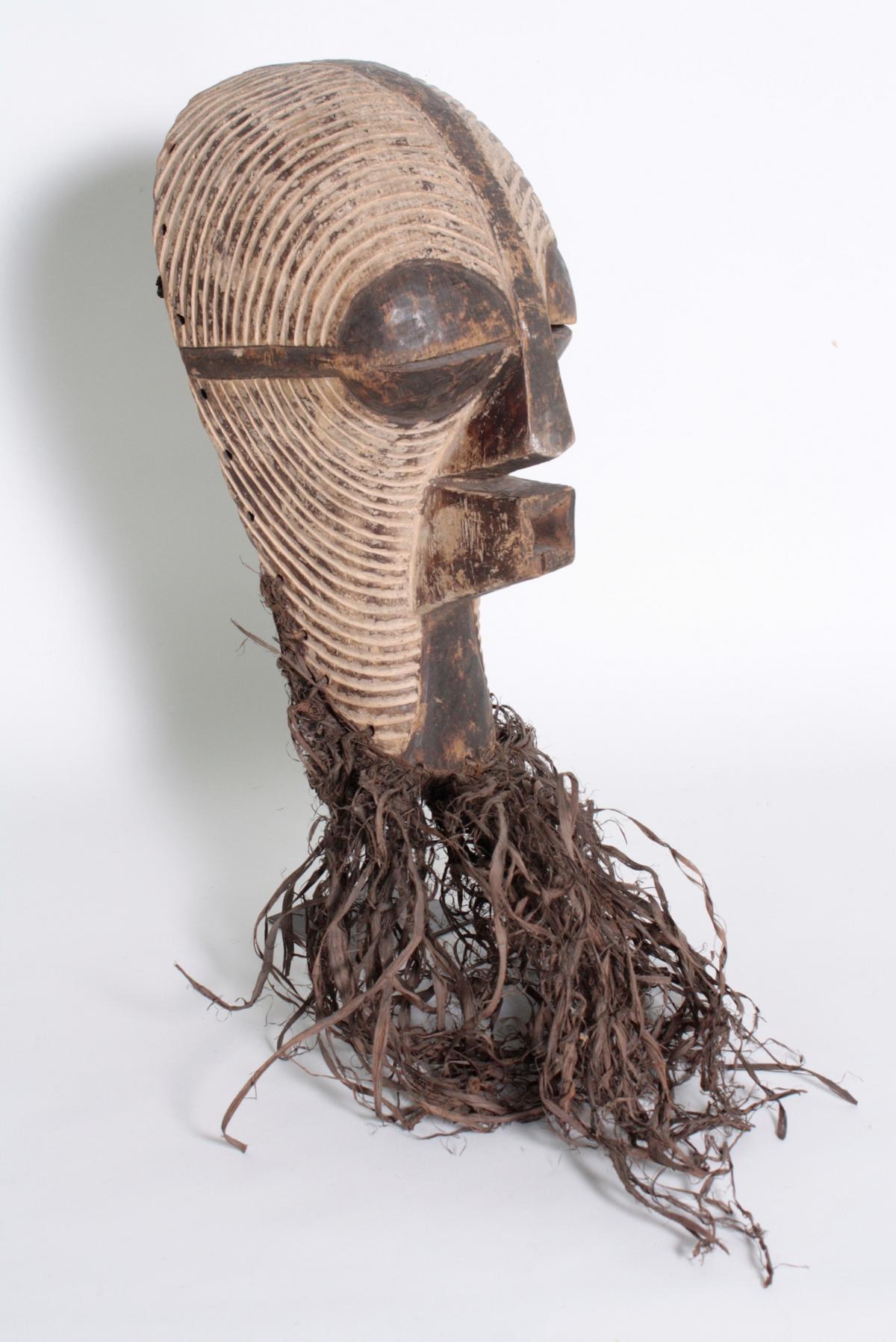 Weibliche Kifwebe-Maske 'kikashi', Kongo/Songe,  1. Hälfte 20. Jh-2