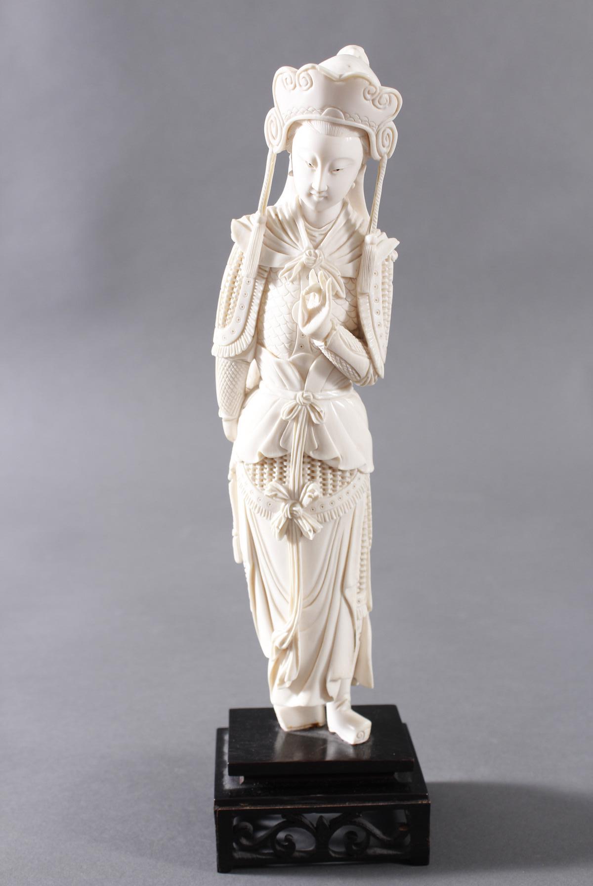 Elfenbeinfigur, China um 1900
