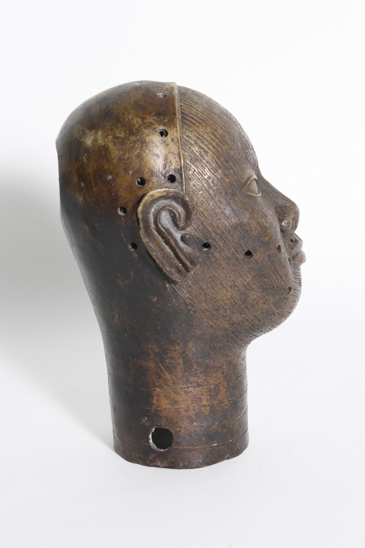 Früher Bronzekopf eines Oba, Ifé, Benin, Nigeria-2