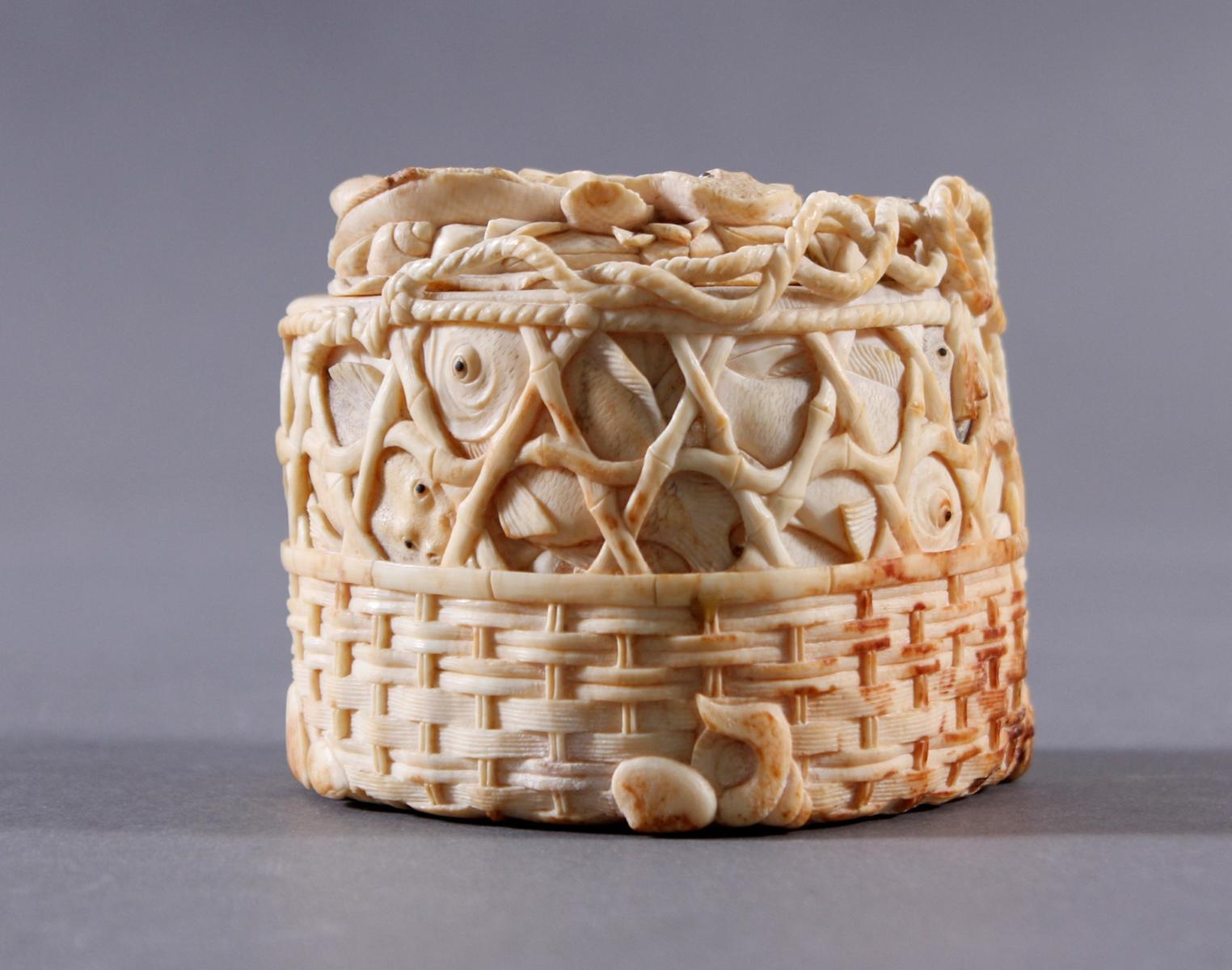Elfenbein Deckeldose, Japan um 1900-2