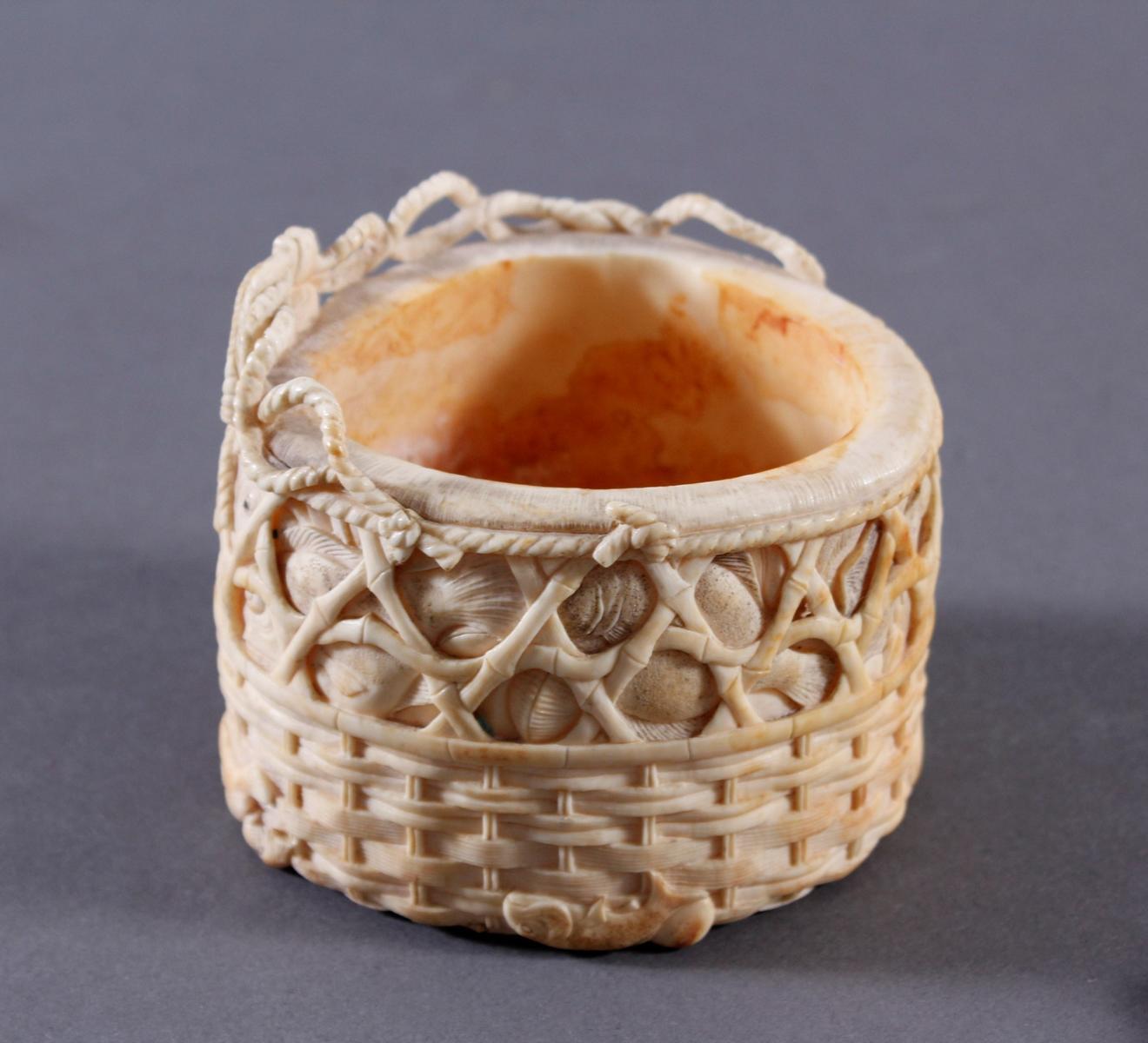 Elfenbein Deckeldose, Japan um 1900-4