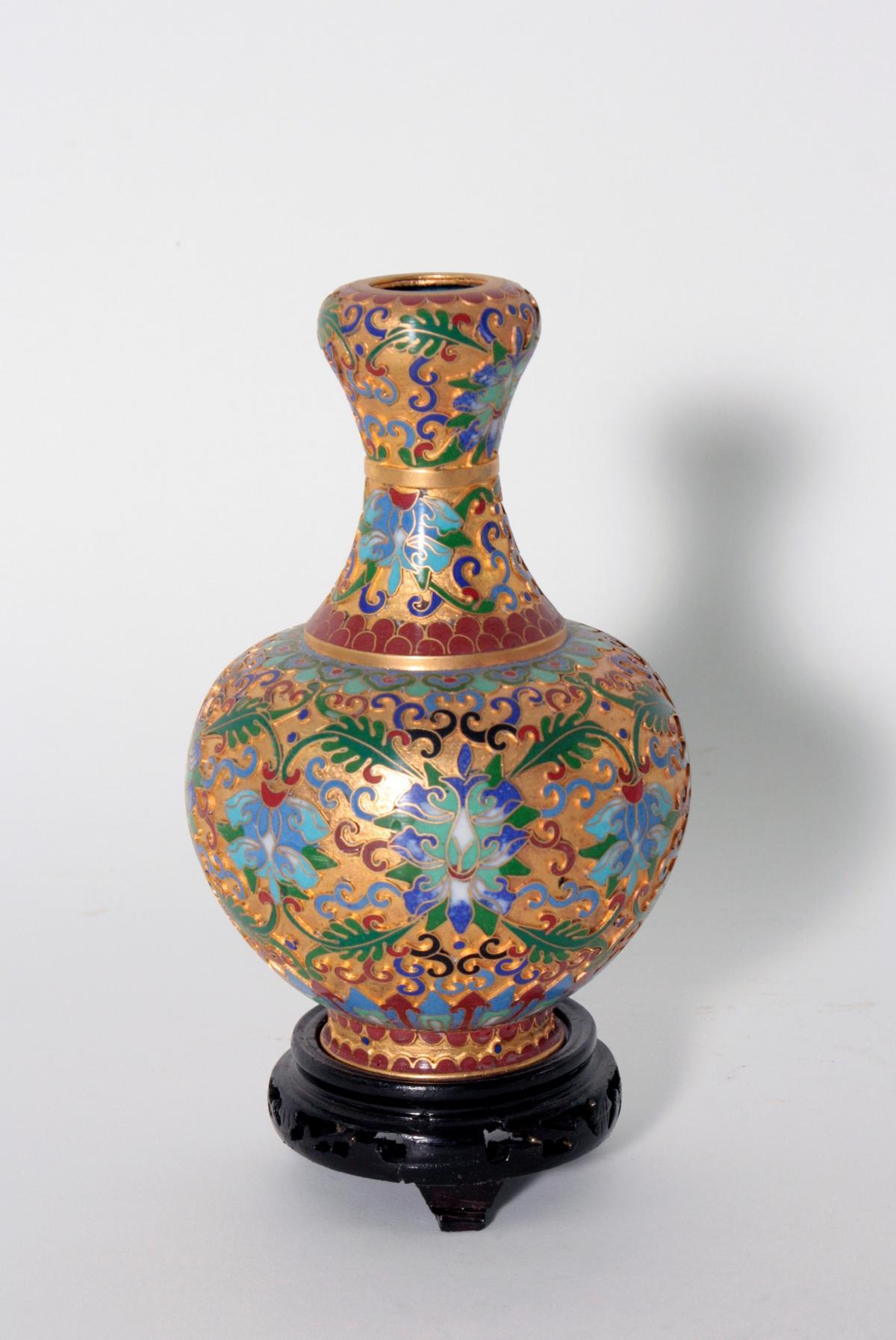Email-Cloisonné Vase, China, 2. Hälfte 20. Jahrhundert