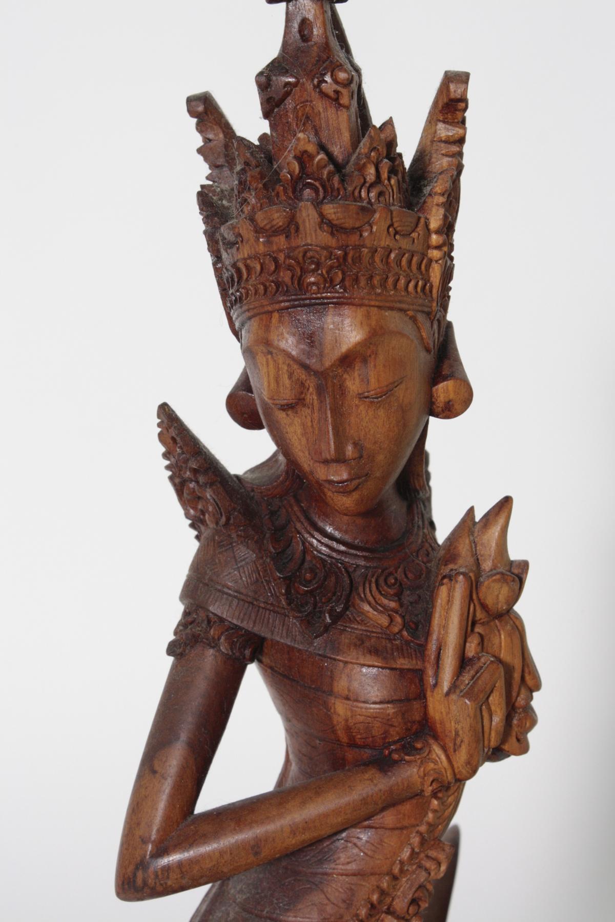 Holzskulptur, 'Dewi Sri, die Reisgöttin', Indonesien, 2. Hälfte 20. Jahrhundert-5