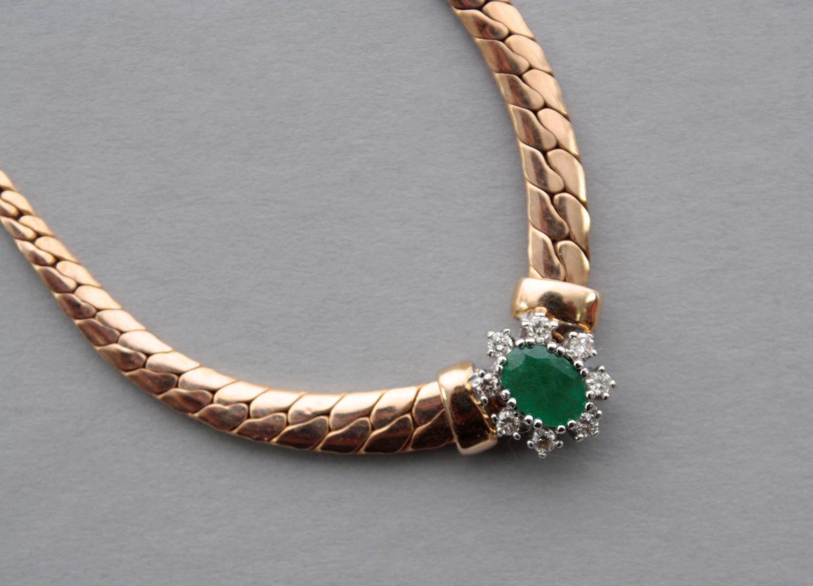 Collier mit Smaragd und Diamanten  14 Karat Gelbgold-3