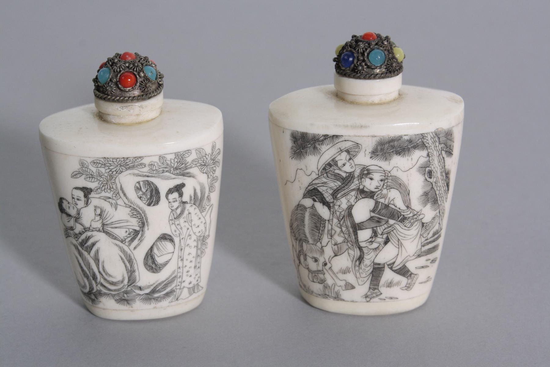Paar Snuff Bottle aus Bein, China 1. Hälfte 20. Jh.