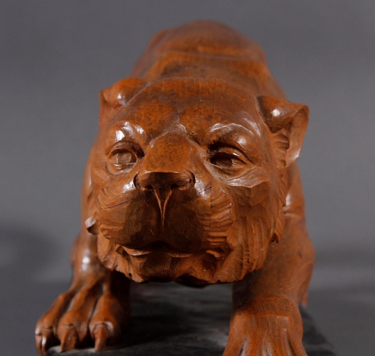 Holzskulptur Löwin, 1. Hälfte 20. Jahrhundert-4