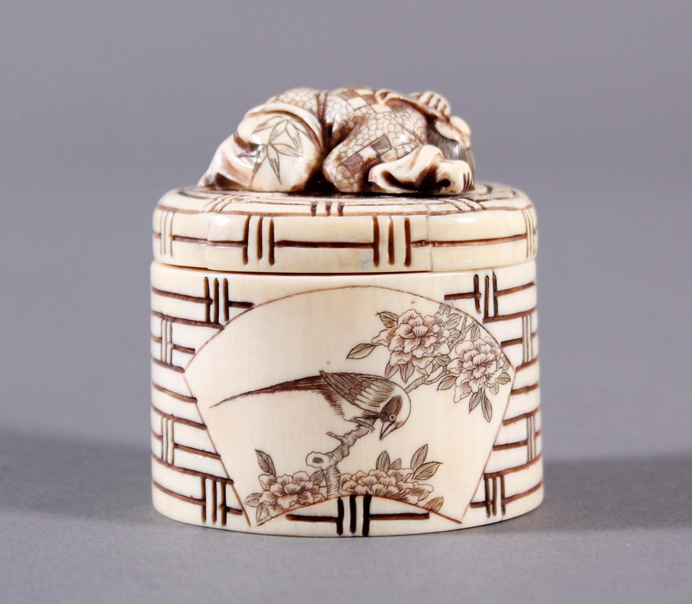 Elfenbeindose, Japan, Meiji-Periode-2