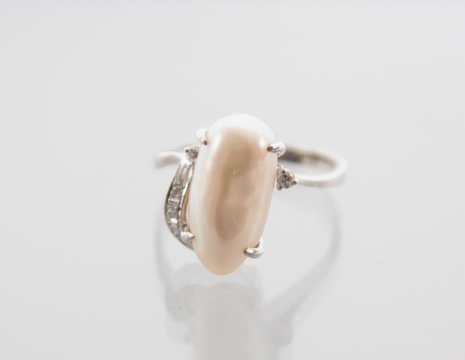 Weißgoldring mit Biwaperle und Diamanten-2