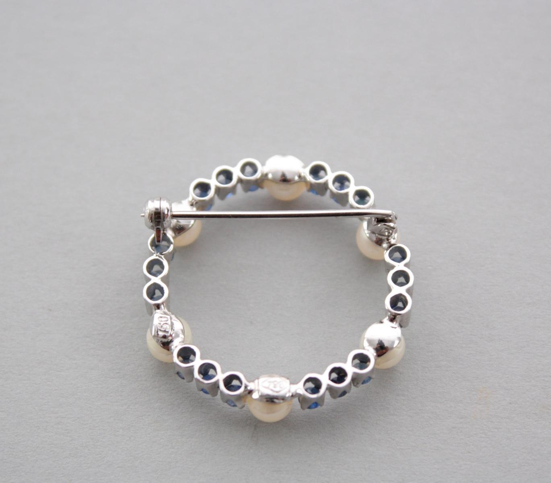 Brosche mit Saphiren und Perlen, 18 Karat Weißgold-2