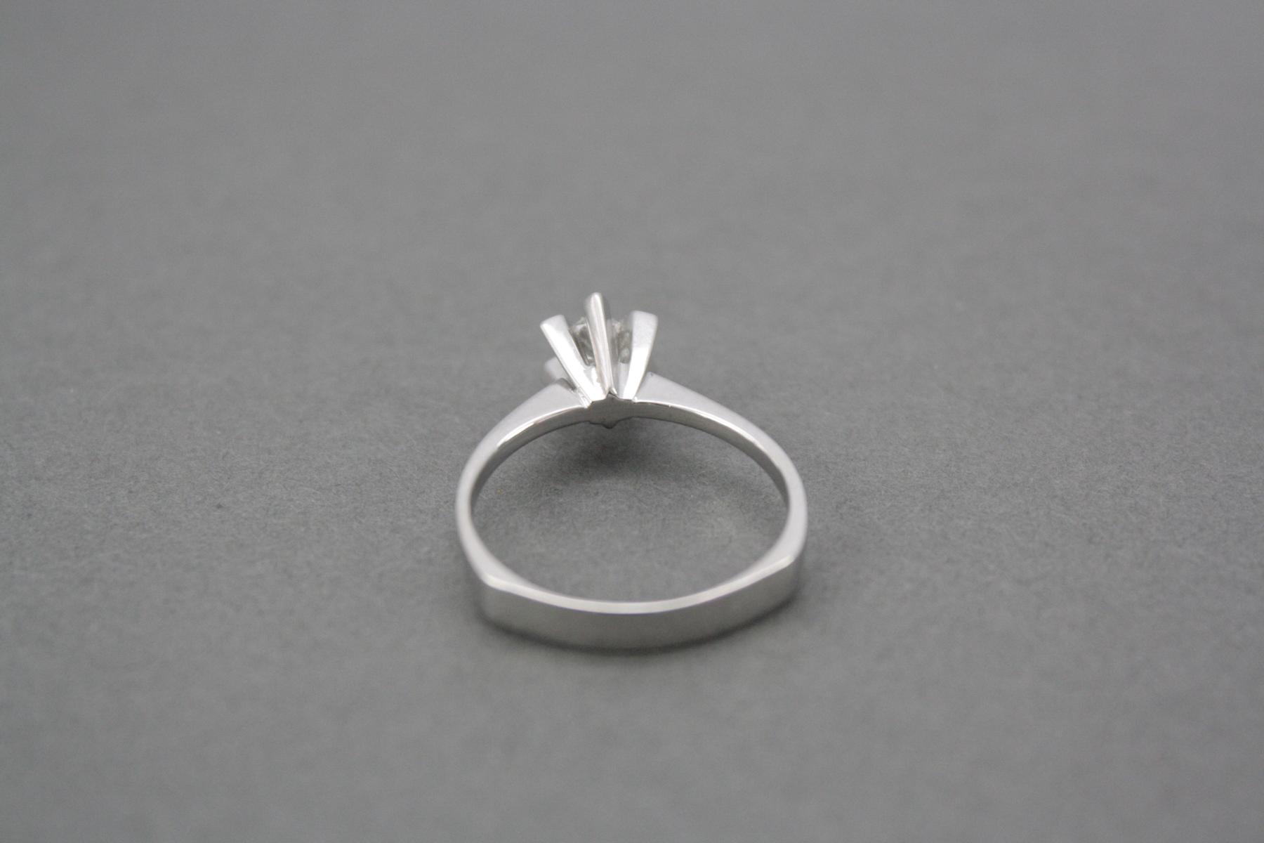 Damenring mit Diamant, 14 Karat Weißgold-3