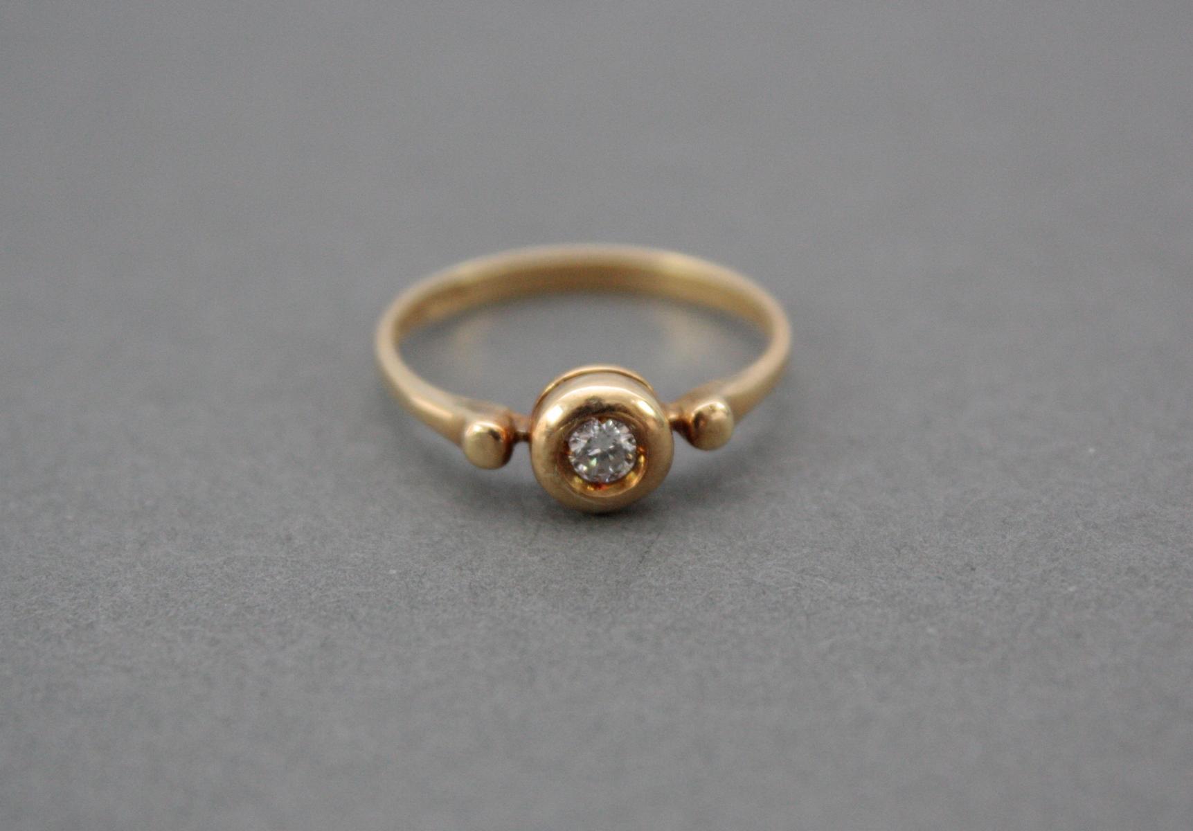 Damenring mit Diamant, 18 Karat Gelbgold