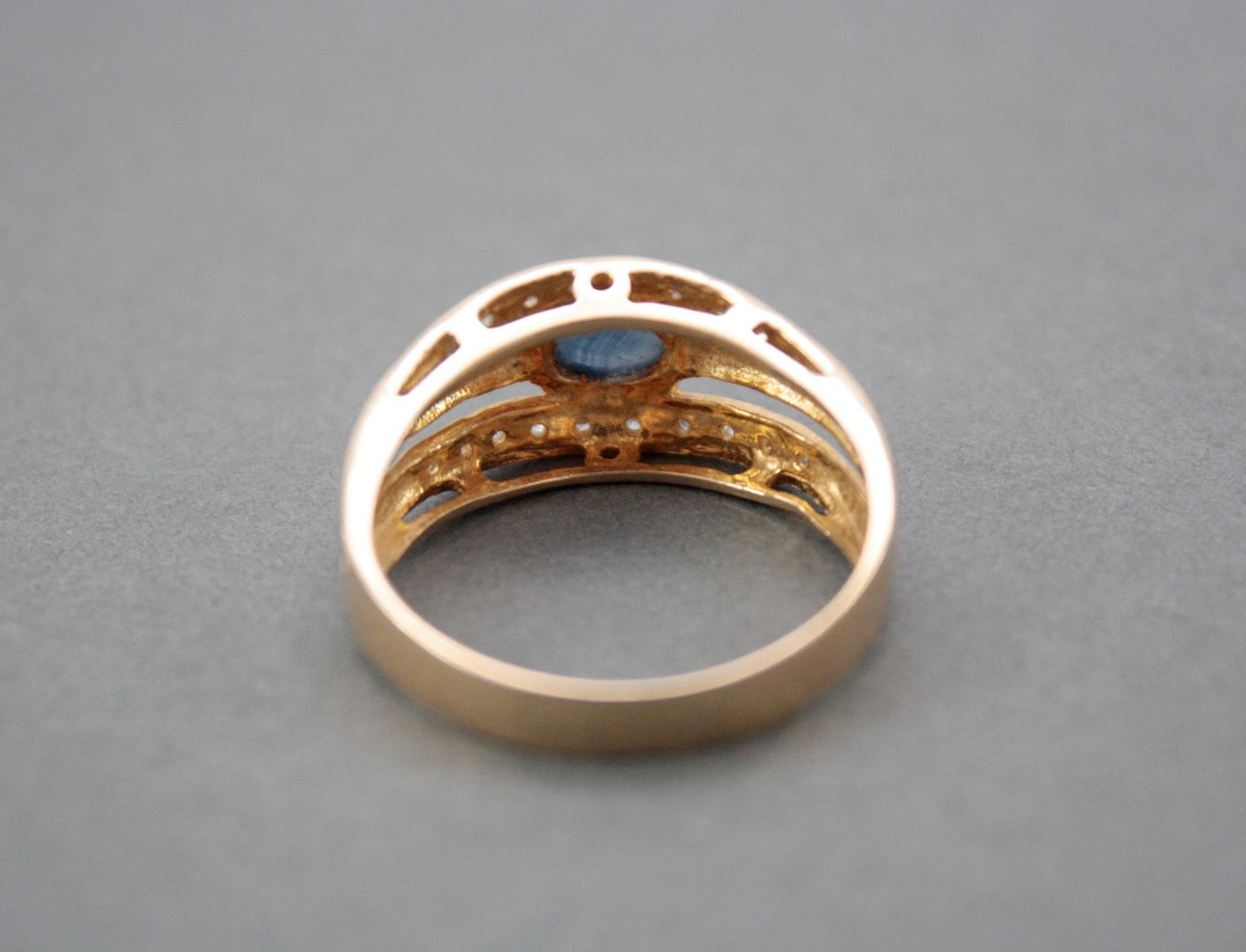 Damenring mit Saphircabochon und Diamanten, 14 Karat Gelbgold-3