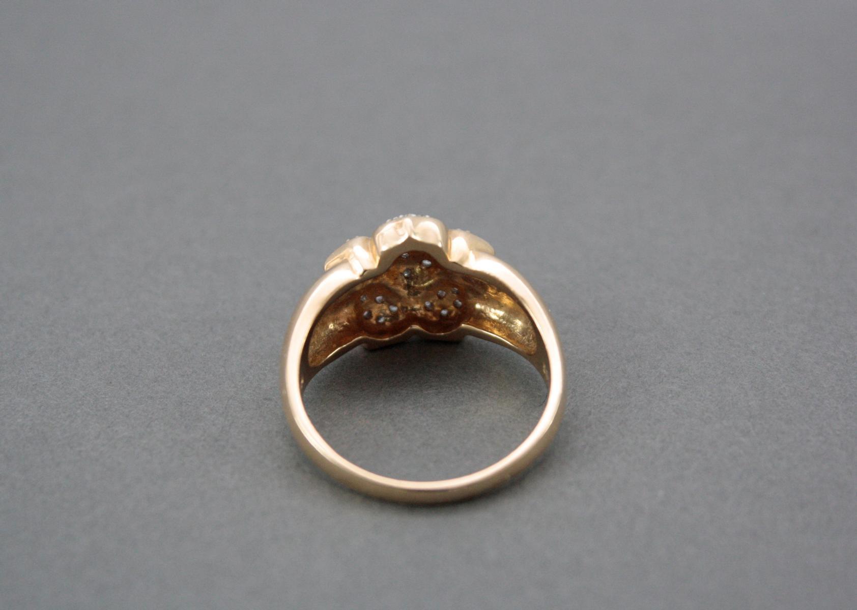 Damenring mit kleinen Diamanten, 14 Karat Weißgold-3