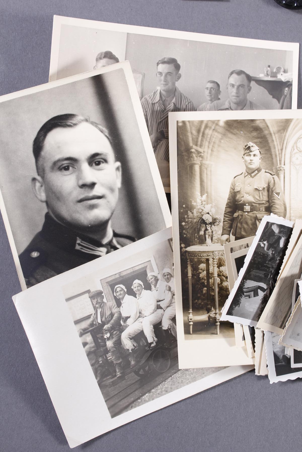 Militaria Konvolut WK II: Orden, Abzeichen und Fotos-8