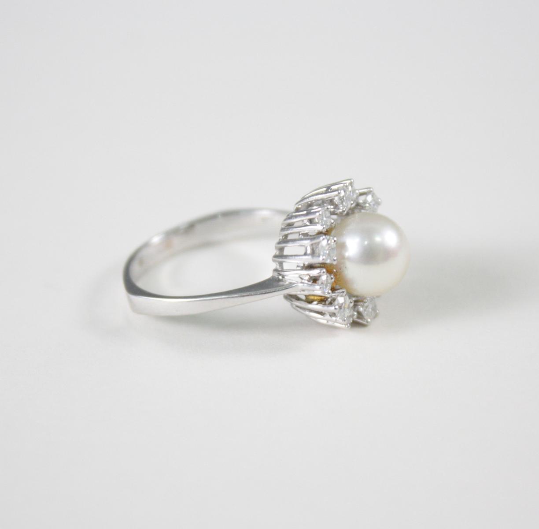 Damenring mit Perle und Diamanten, 14 Karat Weißgold-2
