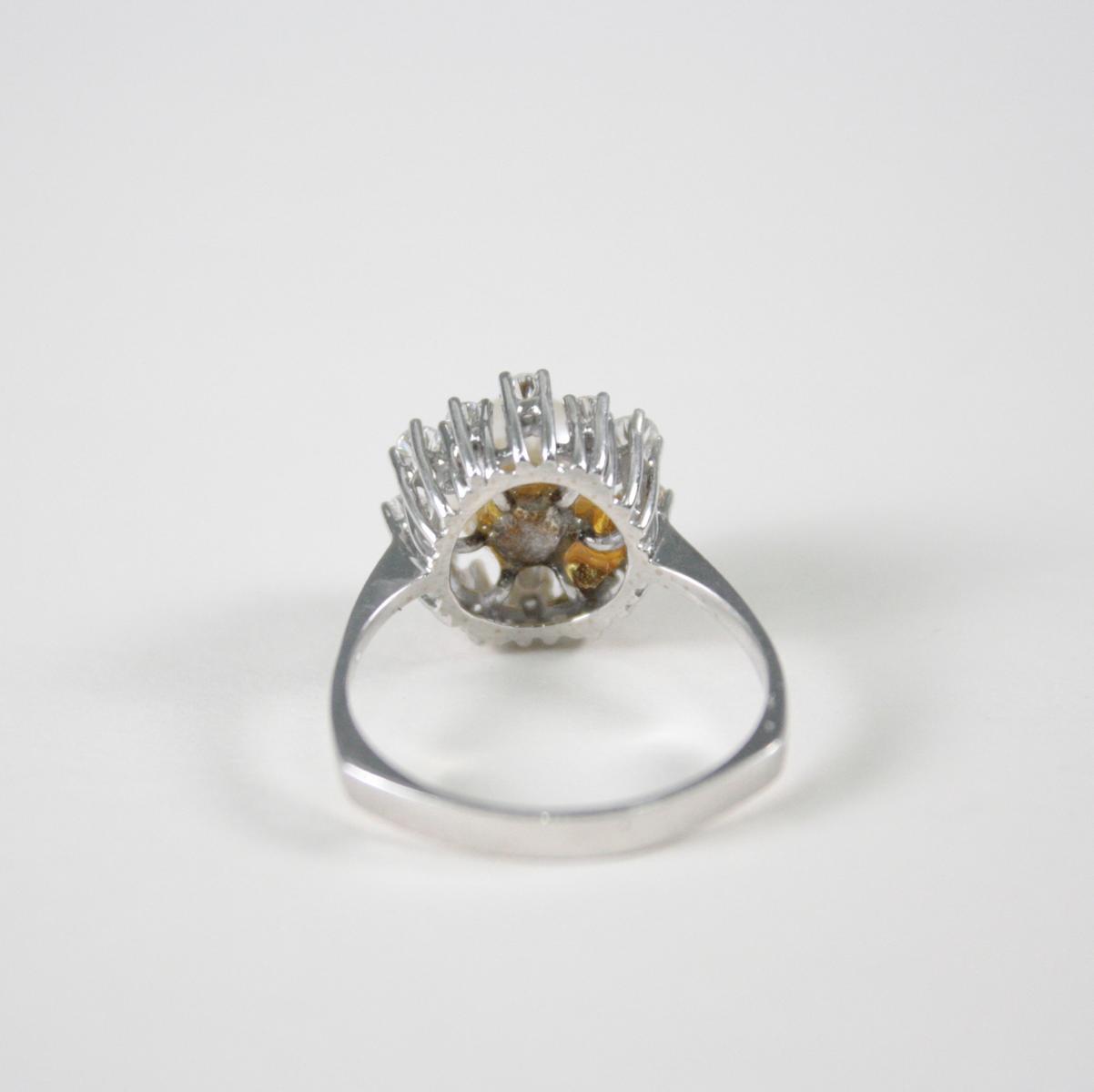 Damenring mit Perle und Diamanten, 14 Karat Weißgold-3