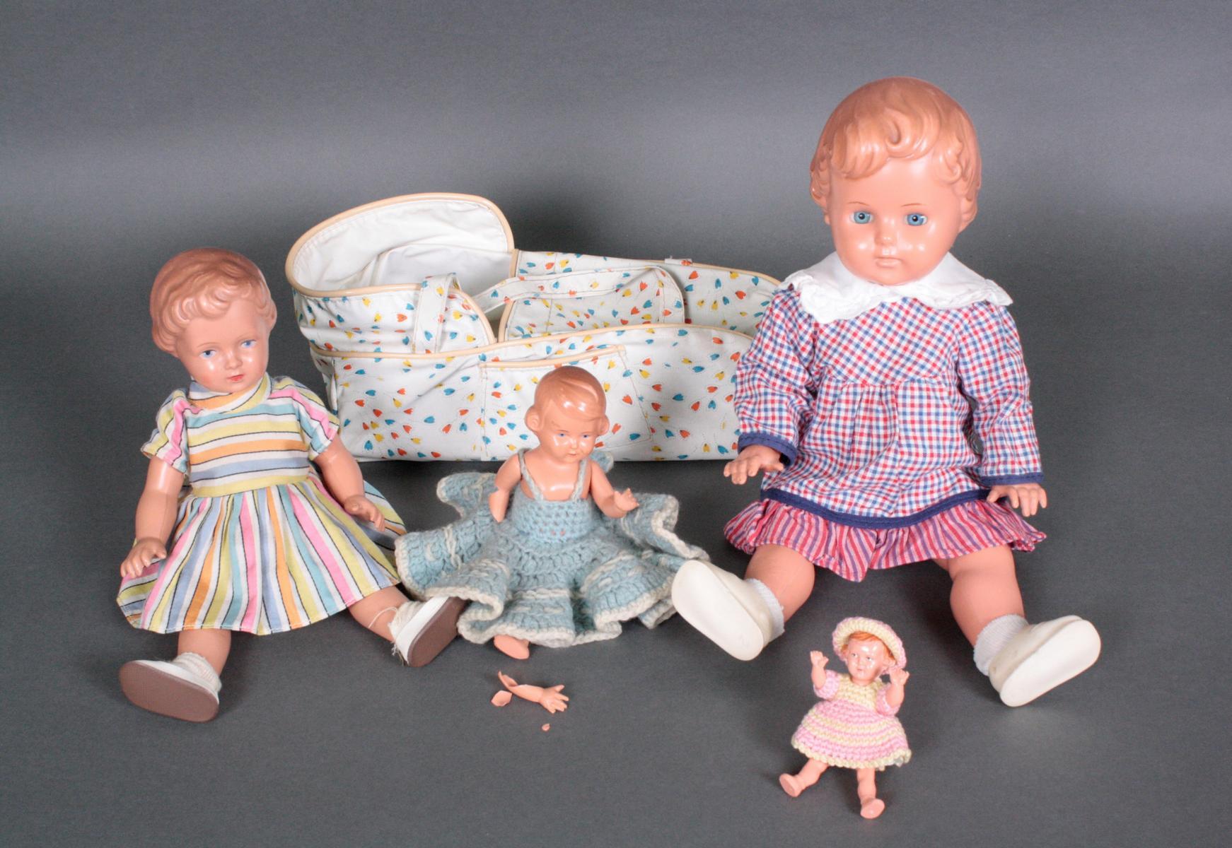 Vier Celluloid Puppen-Mädchen