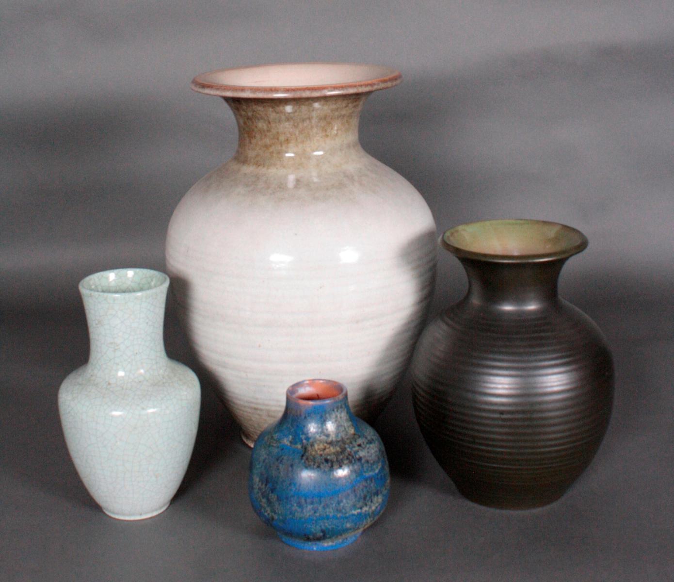 4 Keramik-Vasen, Karlsruhe Majolika