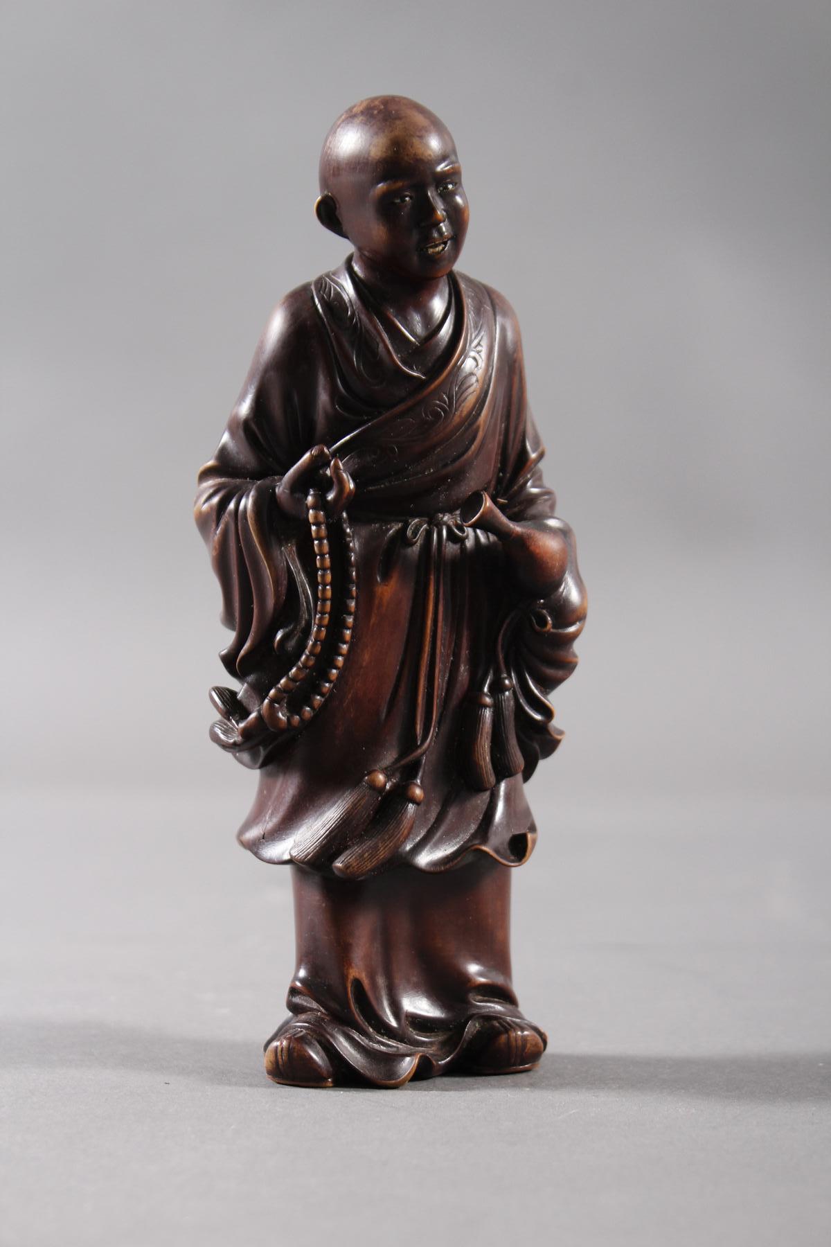 Kleine Holzplastik eines Mönchs, China Anfang/ Mitte 19. Jahrhundert