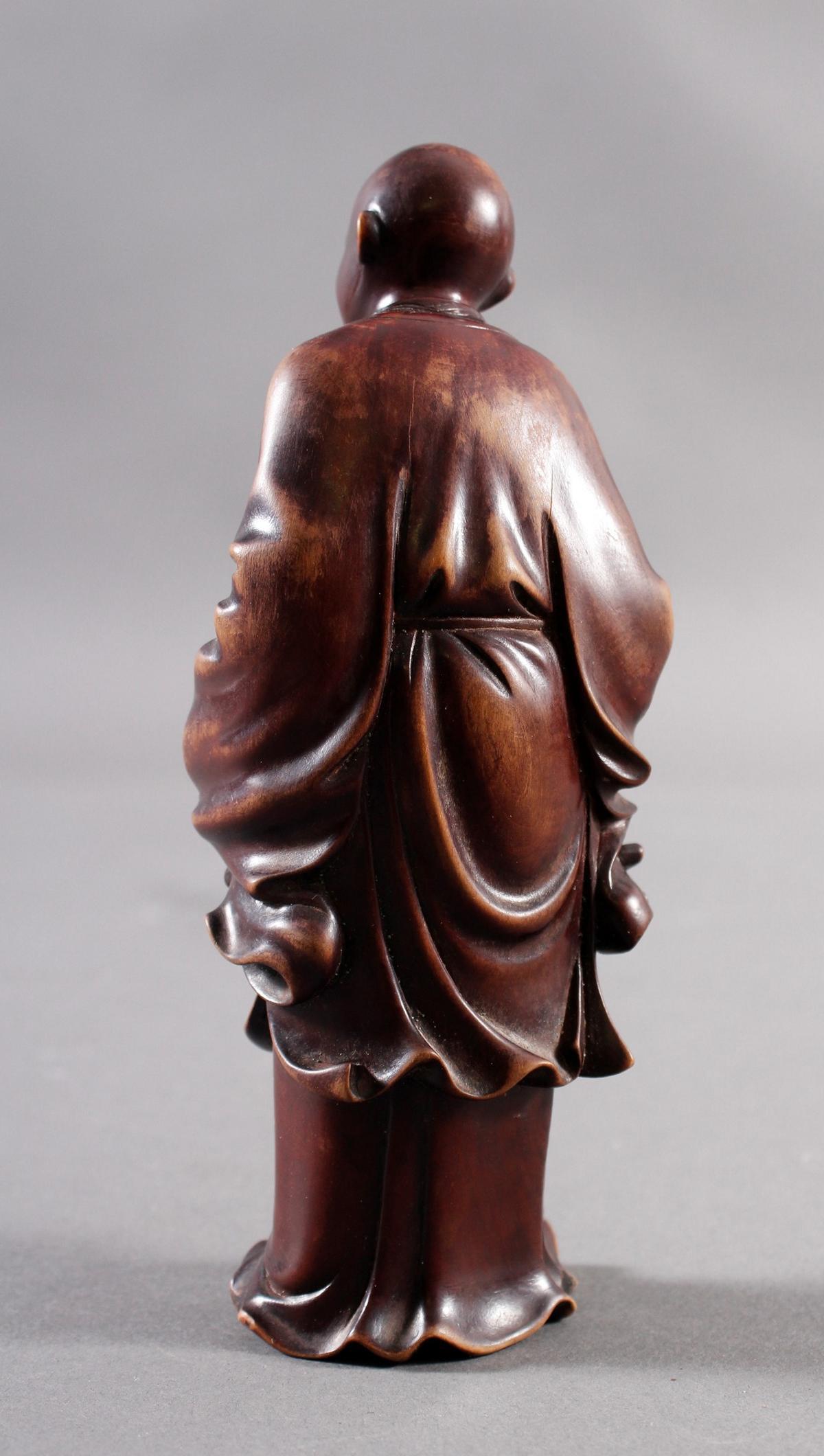 Kleine Holzplastik eines Mönchs, China Anfang/ Mitte 19. Jahrhundert-5