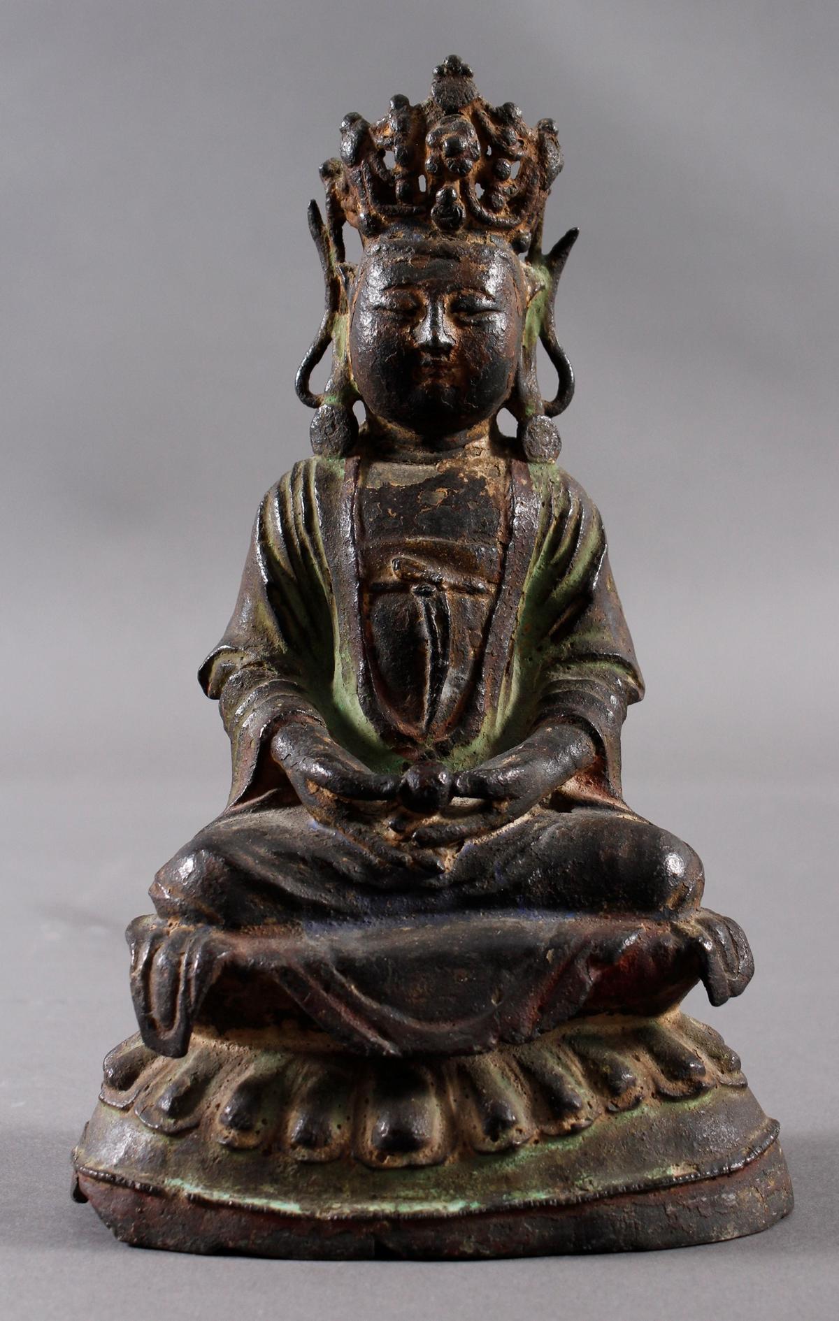 Guanyin, Bronze, China Ming Zeit. Im Meditationssitz auf einem Lotos