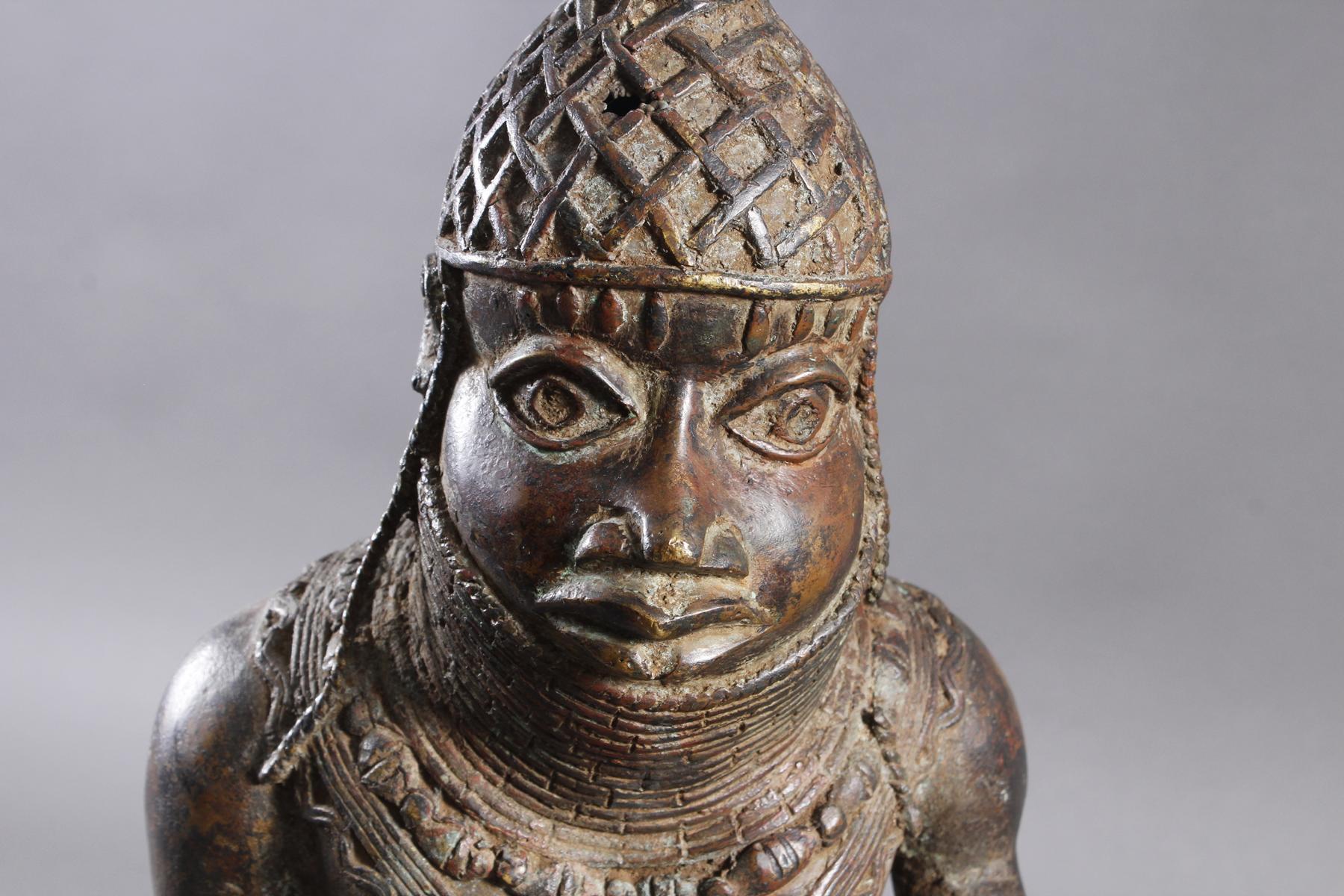 Bronze Gedenkfigur, Benin, Nigeria, 20. Jahrhundert-2
